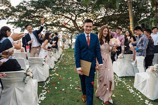 A beautiful & cosy wedding of Yeow Boon & Alyssa ✨  Video: @cepheusphotography  Venue: @rasasentosa