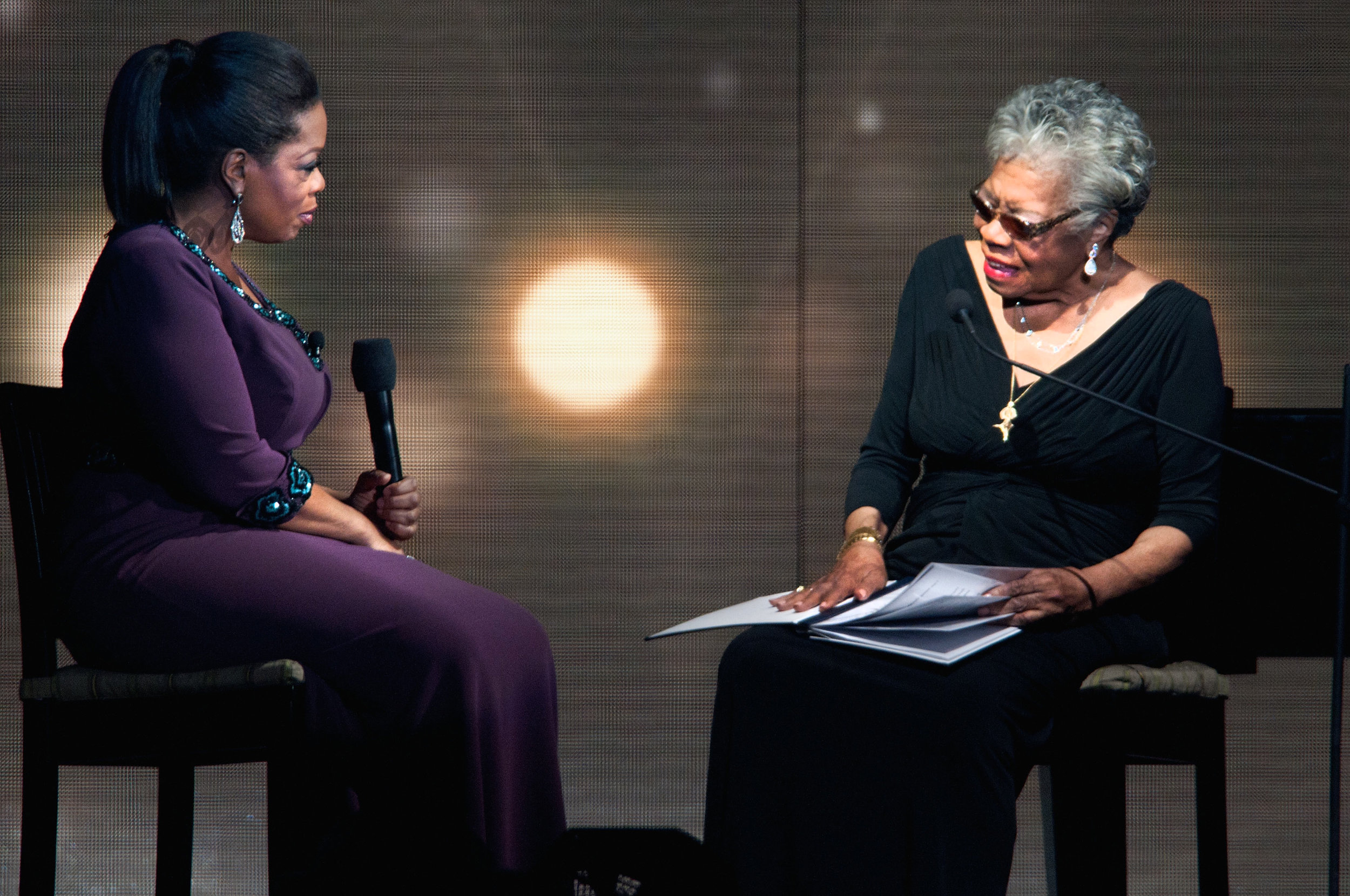 """Maya was Oprah's """"Spiritual Queen Mother"""" and taught Oprah respect. Such a beautiful relationship.   Image source here."""
