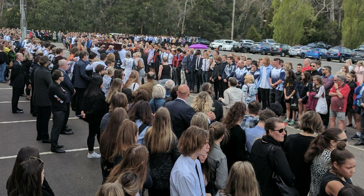 Over 800 people attended Lachlan's funeral at his footy club.