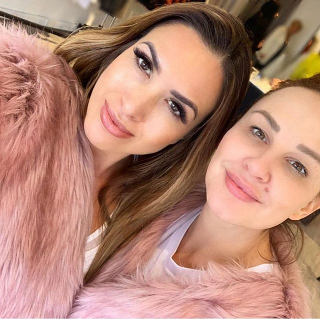 Gorgeous #mafs girls @nadiastamp and @mellucarelli twinning with our pink faux fur coat, which they both love 💕 Mel flew down from Sydney to spend a Saturday in store with our team because she loves our label and values so much 🙏🏾💕 . #fauxfur #fauxfurcoat #pinkfashion #mafs2019 #love 💖