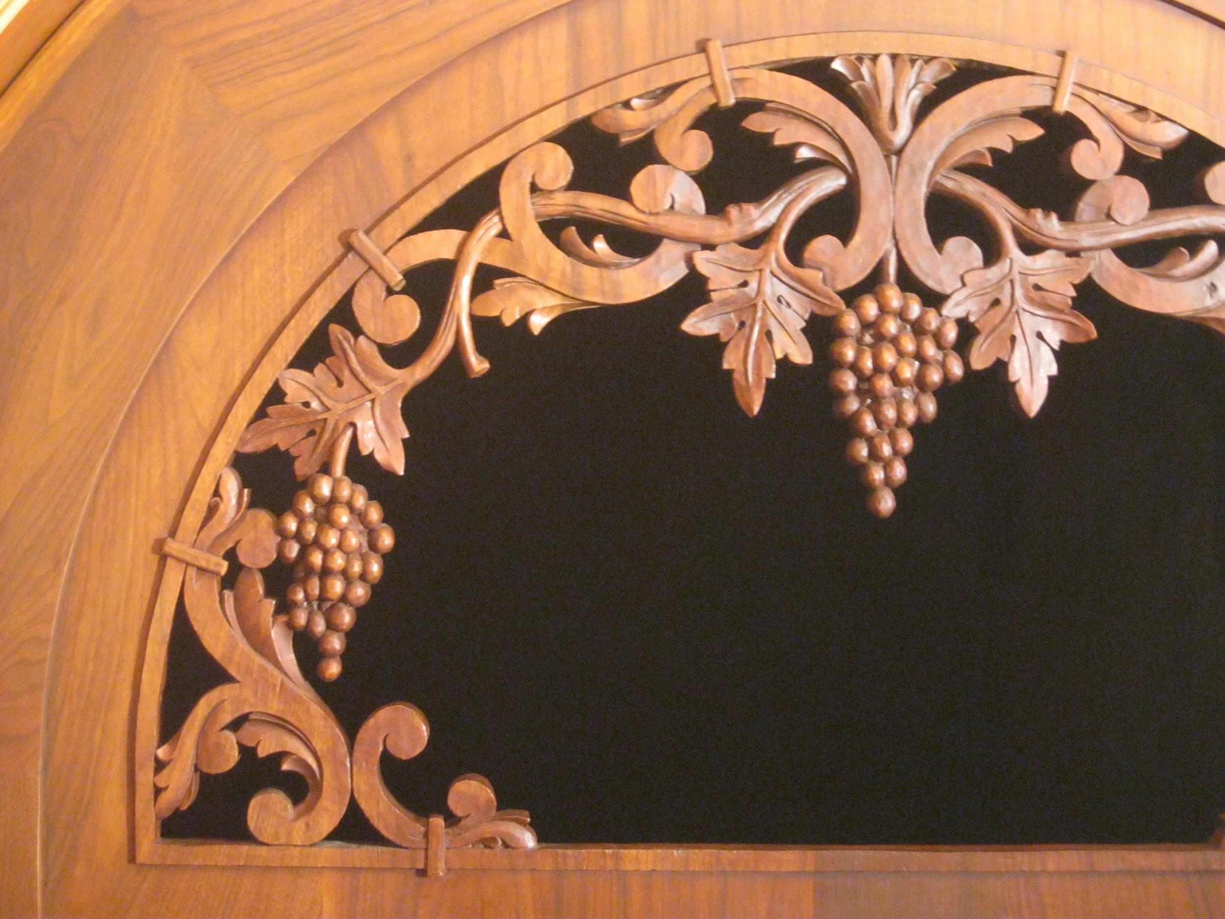 Wine tunnel gate, detail