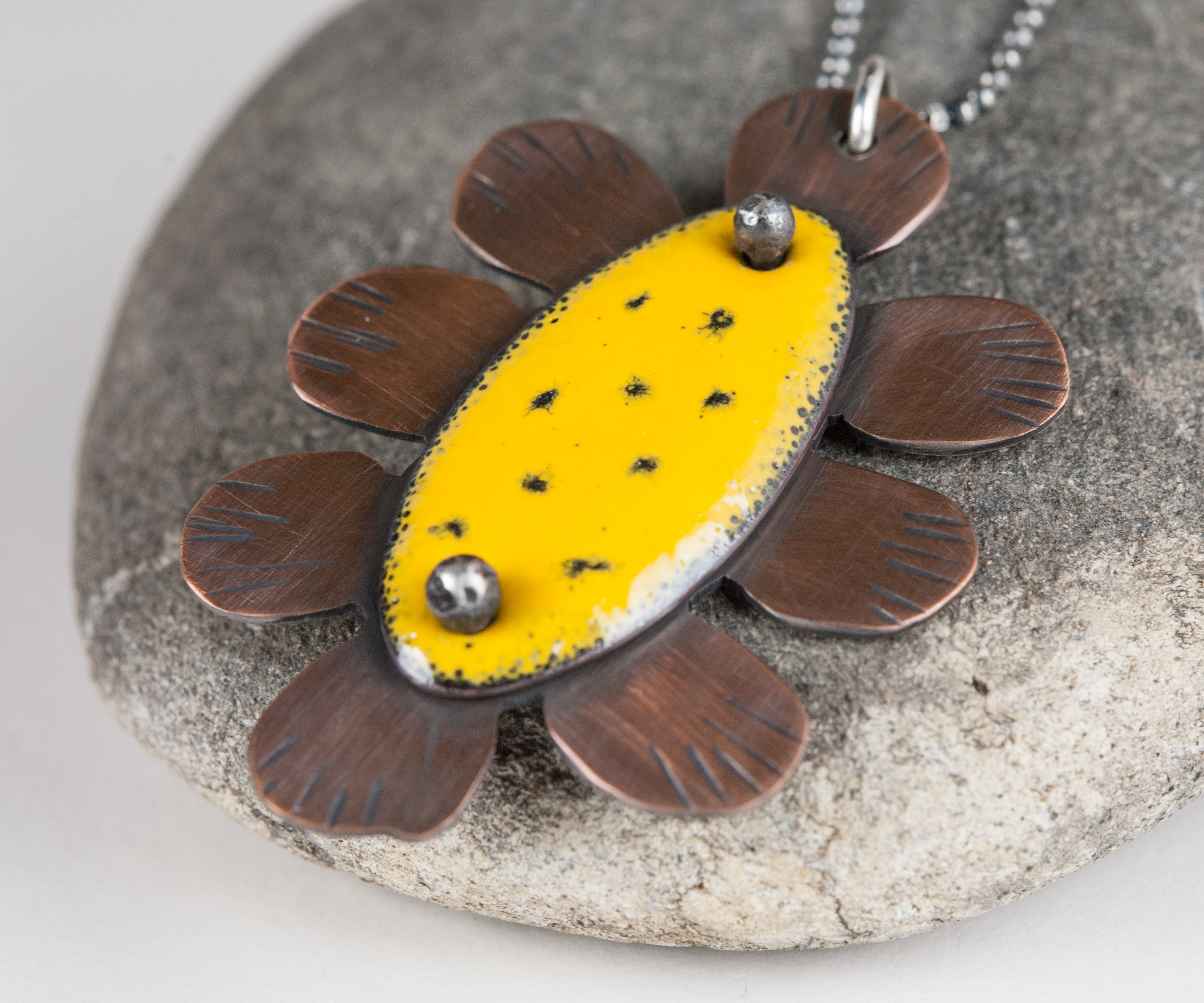 sunflower-pendant3.jpg