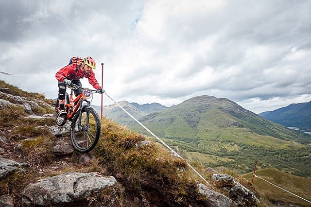 What a mission! Back home at 7am this morning after an epic weekend in the highlands photographing the POC Scottish and BEMBA British Enduro Championships at Kinlochleven! Climbs, Midges, Downpours, it had it all! @nofussevents @britishnationalenduroseries @hijinksphotographyuk  #enduromtb #enduro #downhill #downhillmtb #nofussevents