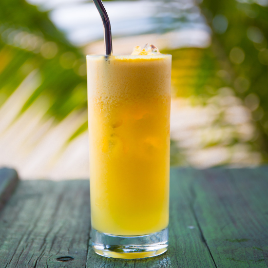 bahama mama cocktail outdoor island