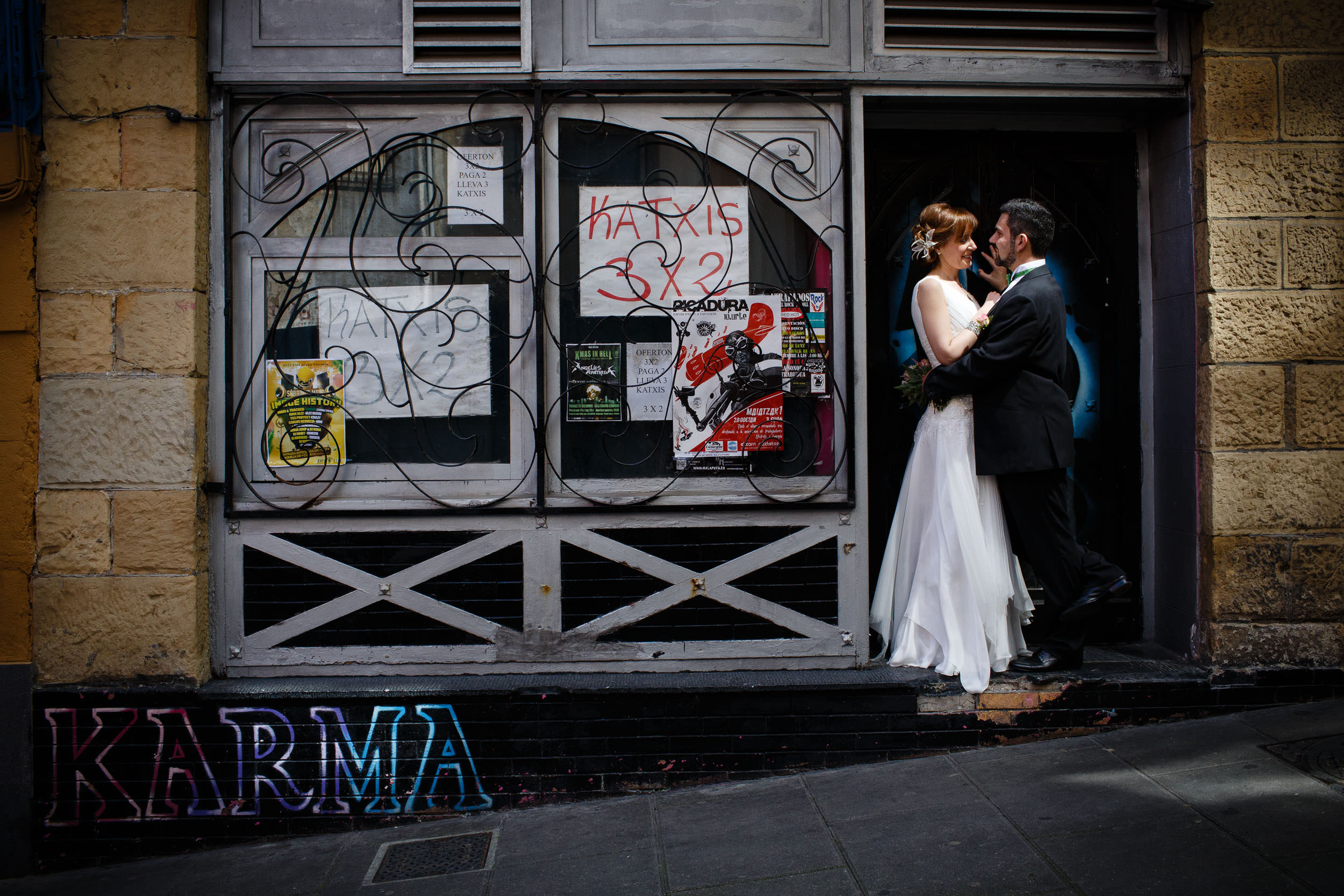 Engagement photography in Portugalete, Basque Country, Spain - James Sturcke Photographer | sturcke.org