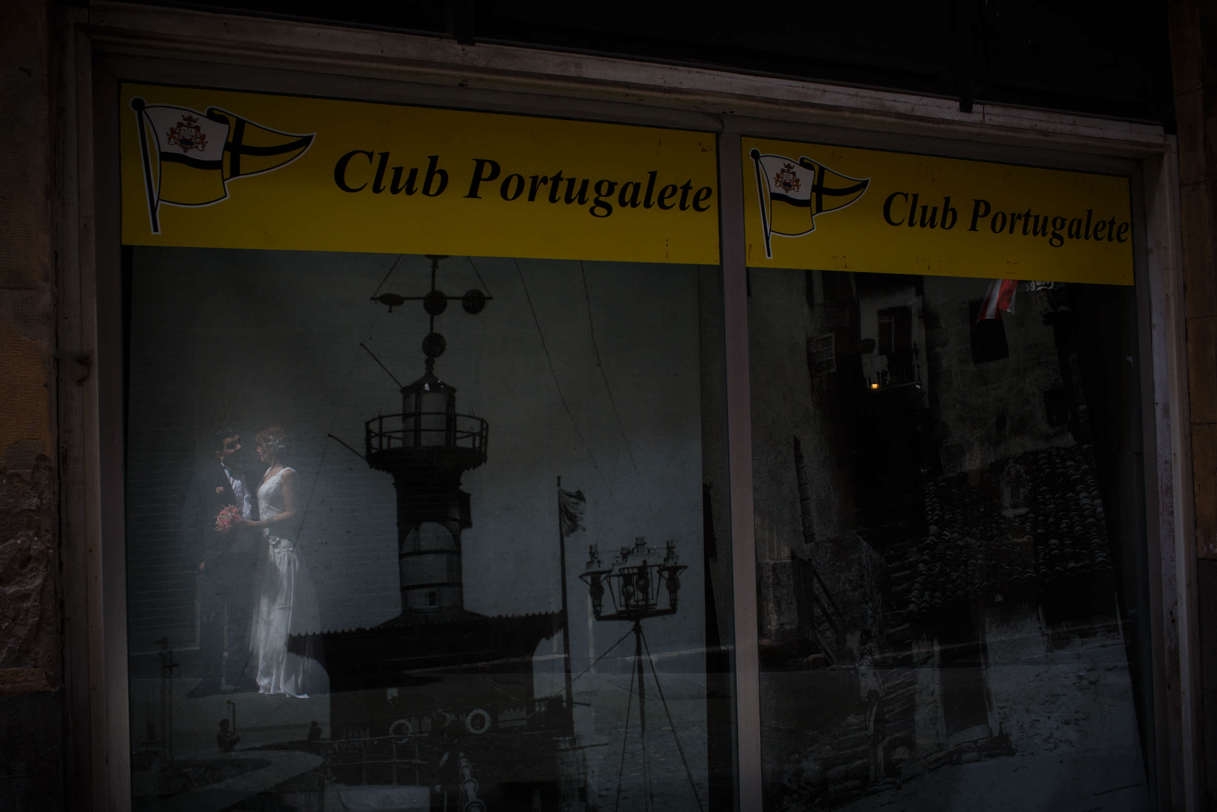 Engagement photography in Portugalete, Basque Country, Spain - James Sturcke  Photographer | sturcke.org_009.jpg