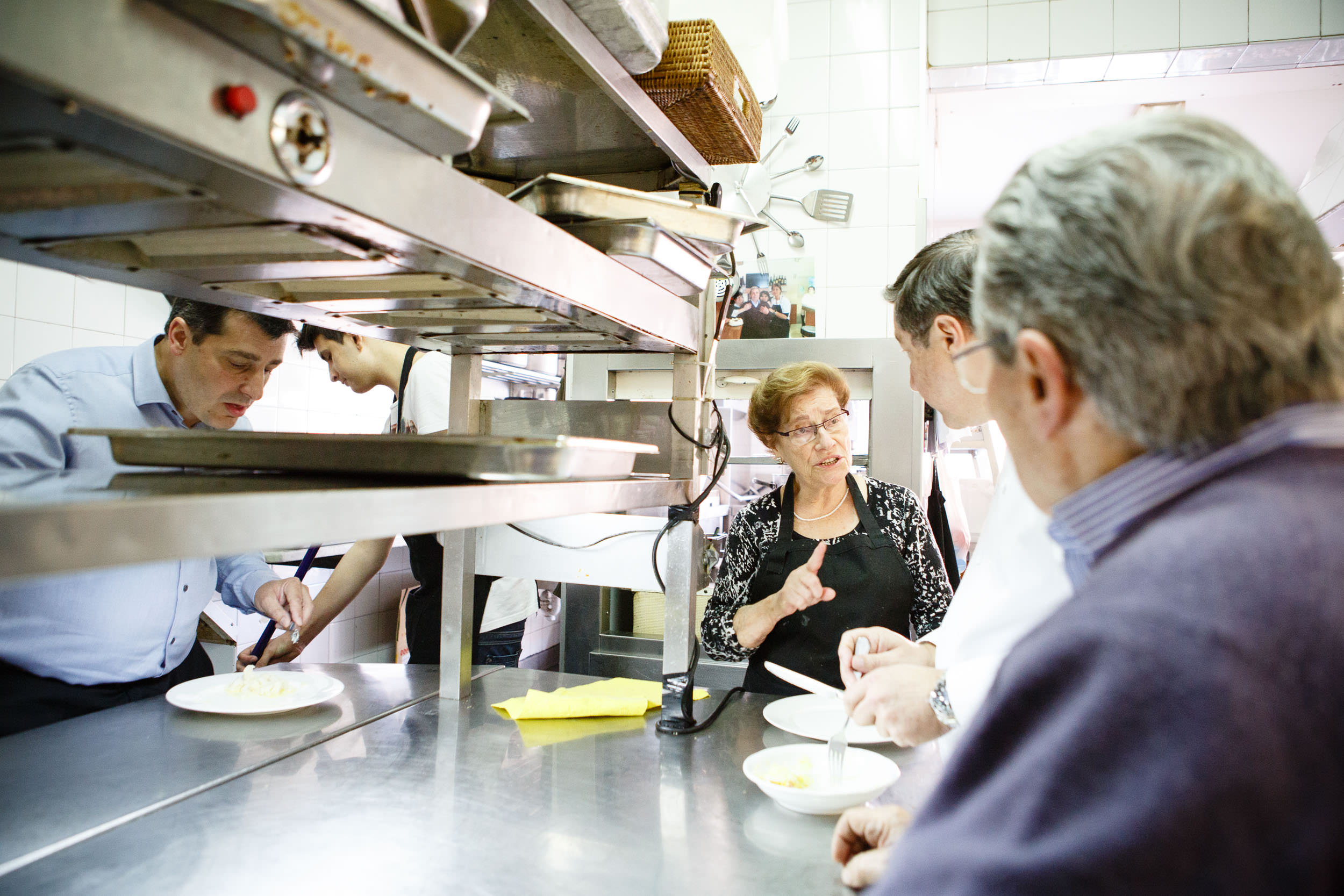 14/3/14 Brothers Joan and Josep (left) with parents in kitchen of parents' restaurant, Can Roca, Girona, Spain. Photo by James Sturcke | www.sturcke.org