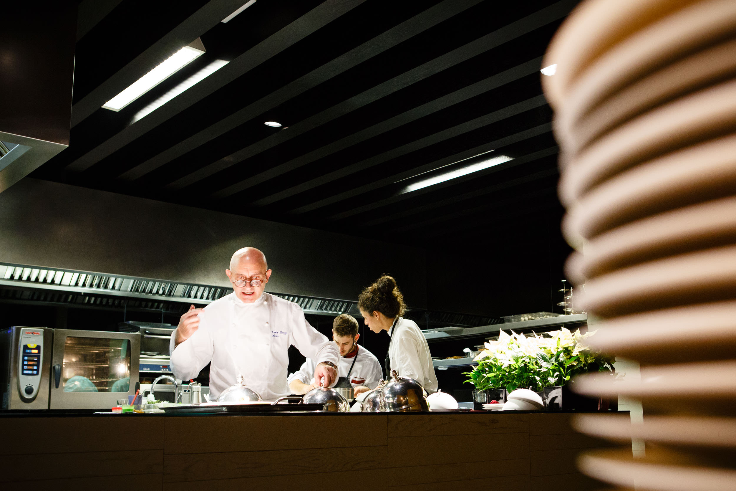 1/1/14 Two Michelin-star chef Toño Pérez at work in Restaurante Atrio, Cáceres, Extremadura, Spain. Photo by James Sturcke Fotografía | www.sturcke.org
