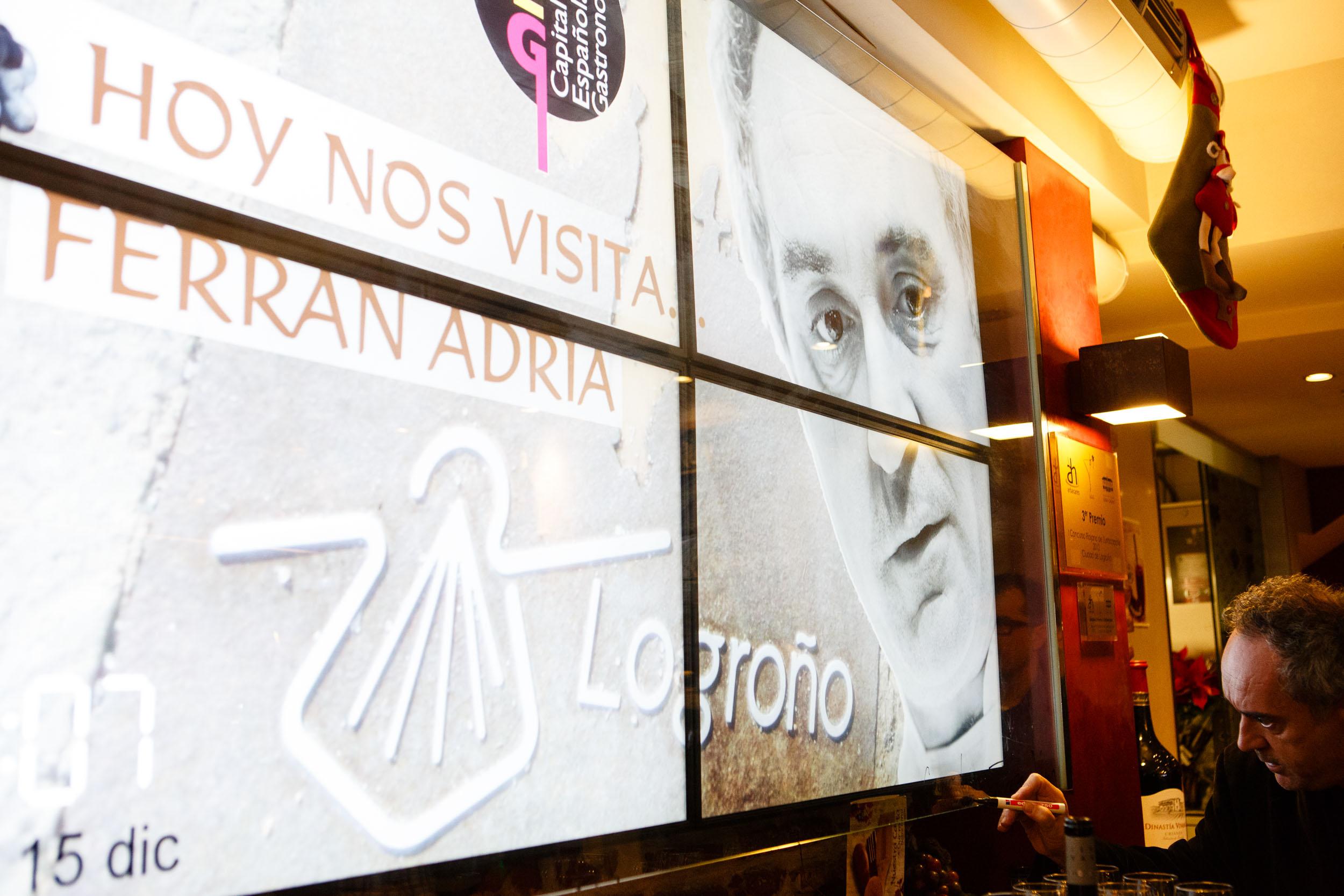 15/12/12 Ferran Adrià en La Taverna de Tío Blas, c/Laurel, Logroño, La Rioja. Foto por James Sturcke   www.sturcke.org