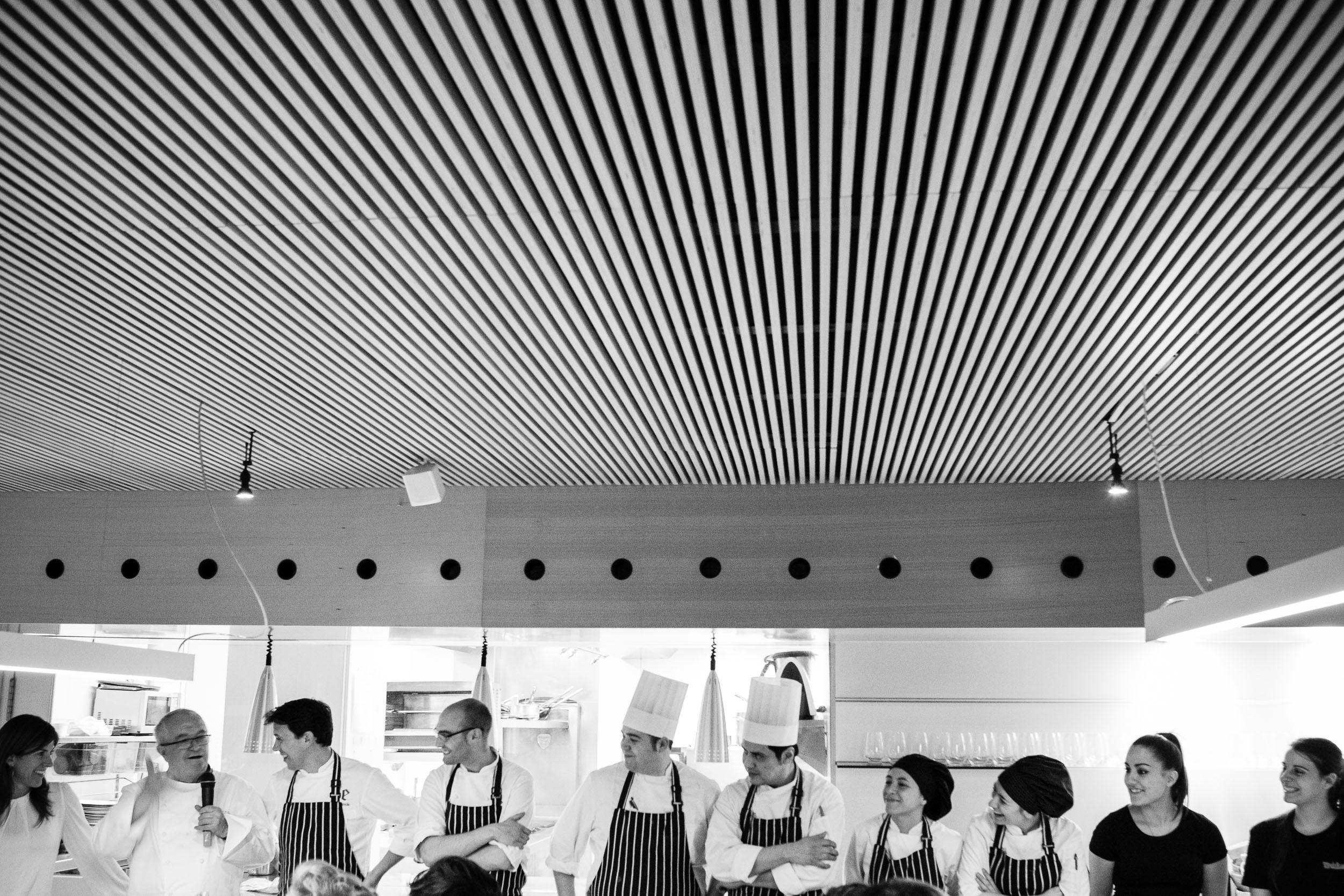 28/3/12 Juan Mari Arzak en Restaurante Tondeluna, Logroño, con cocinero Francis Paniego y Luisa Barrachina. ©James Sturcke Fotografía | www.sturcke.org