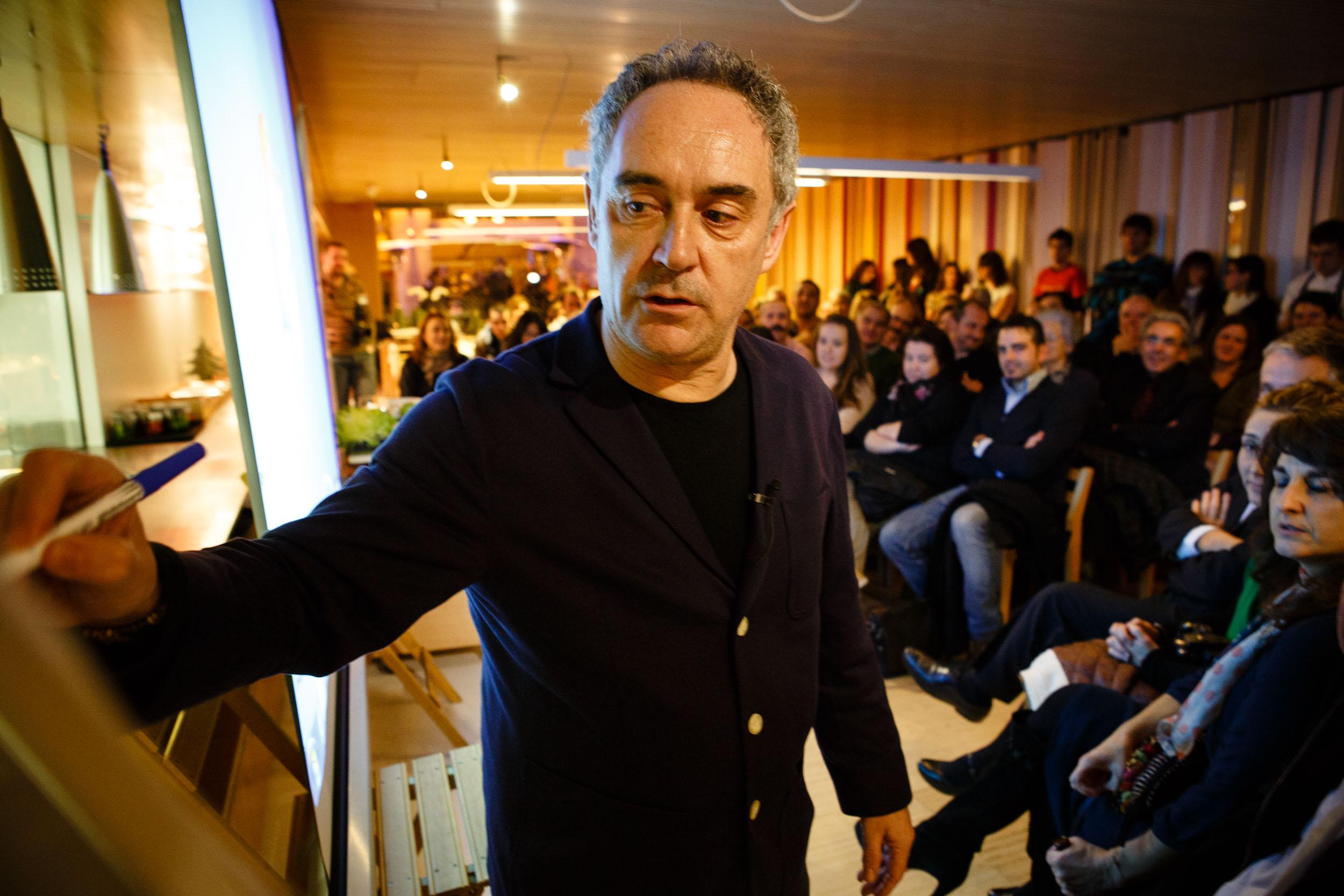 14/12/12 Ferran Adrià en Restaurante Tondeluna, Logroño, La Rioja. Foto por James Sturcke | www.sturcke.org
