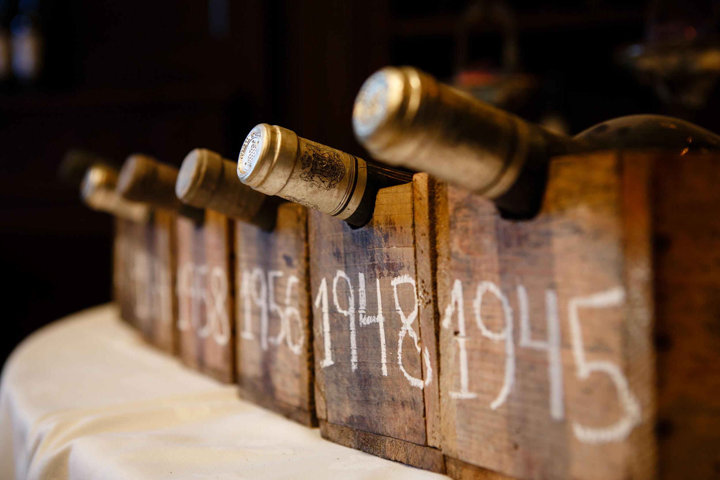 12/11/12 Cata históica, Bodegas Marqués de Riscal, Elciego, Álava, País Vasco. Foto por: James Sturcke Fotografía | www.sturcke.org