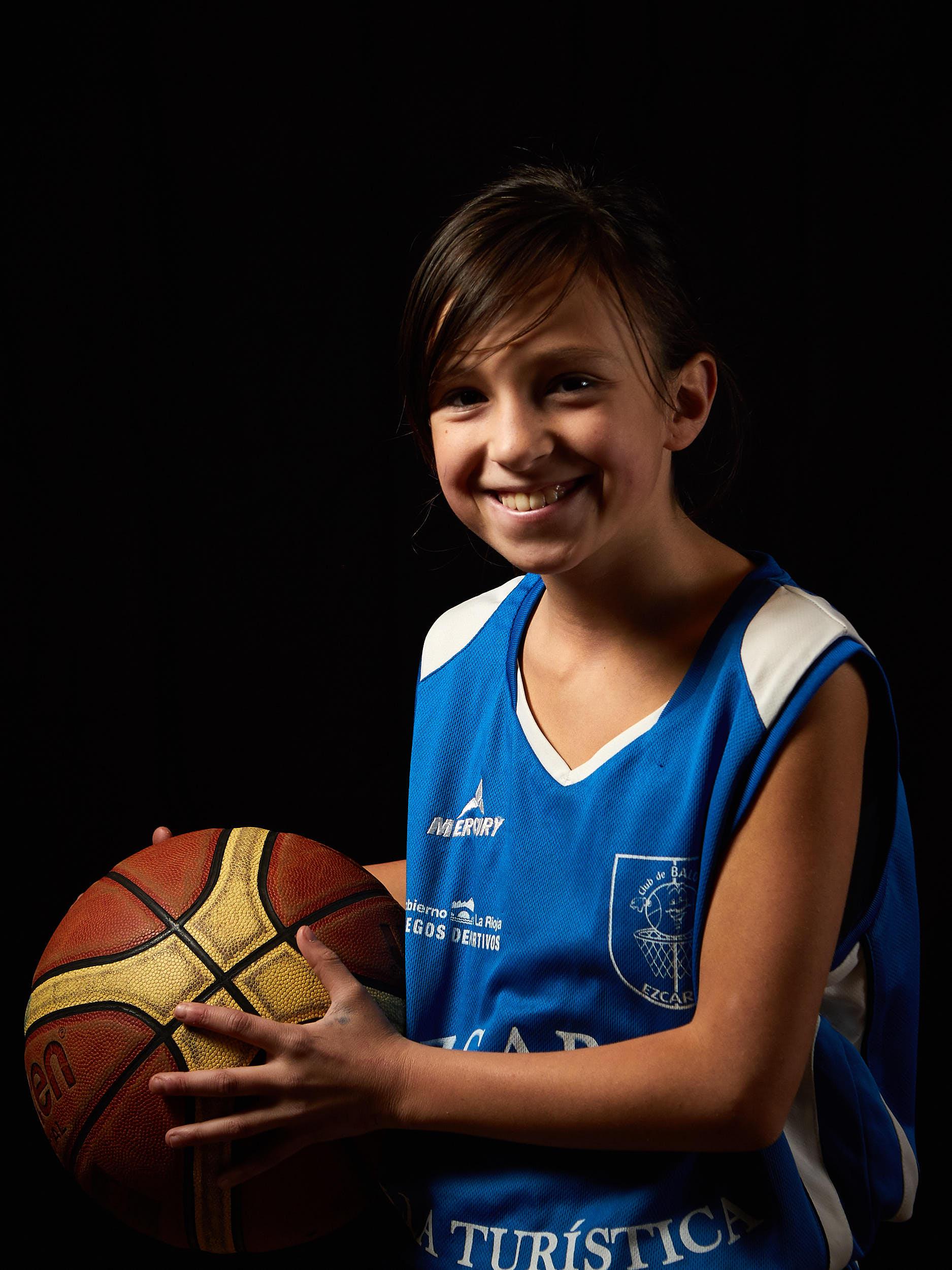 11/11/16 Club de Baloncesto, Ezcaray, La Rioja, España. Foto de James Sturcke   www.sturcke.org