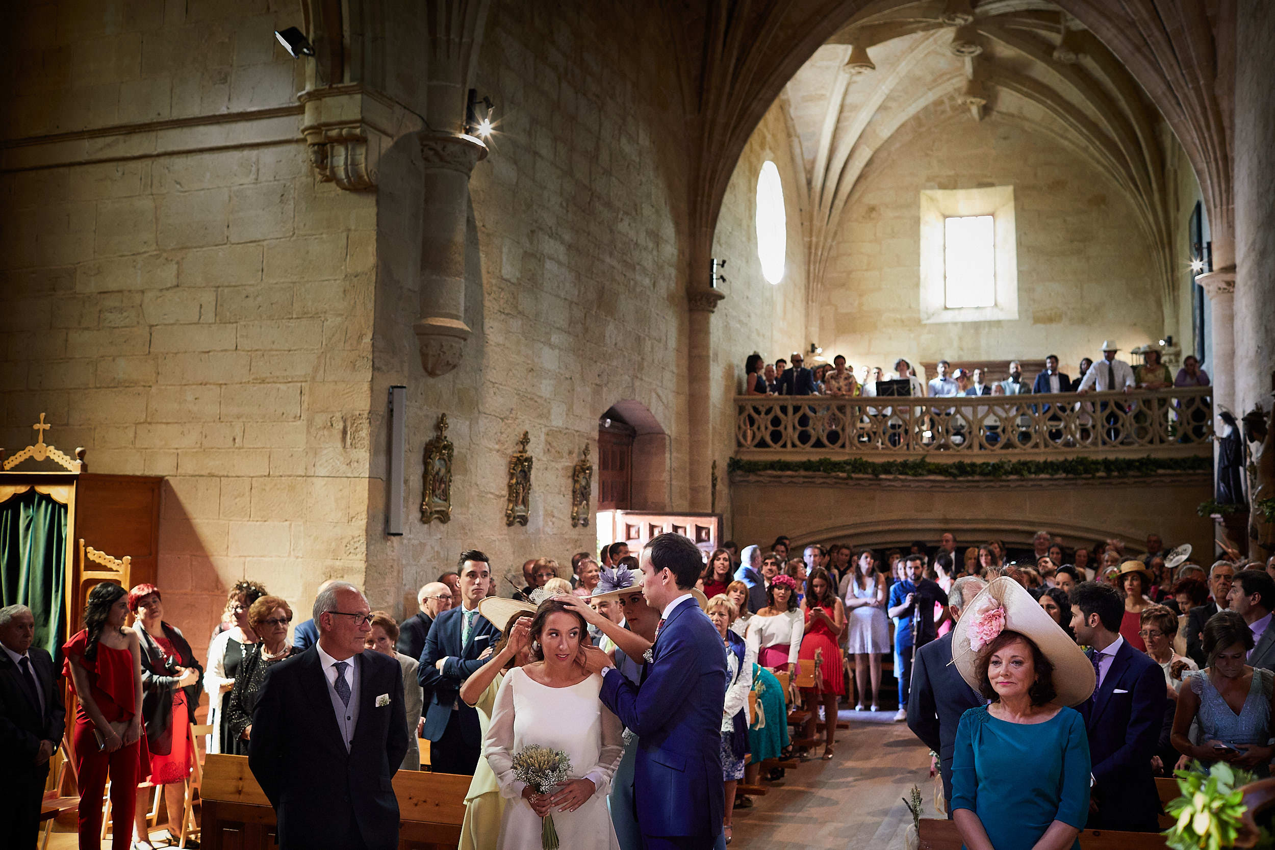 Fotógrafo de boda con estilo documental y fotoperiodismo en La Rioja Palacio Casafuerte Zarraton La Rioja Spain James Sturcke Photographer sturcke.org_00006.jpg