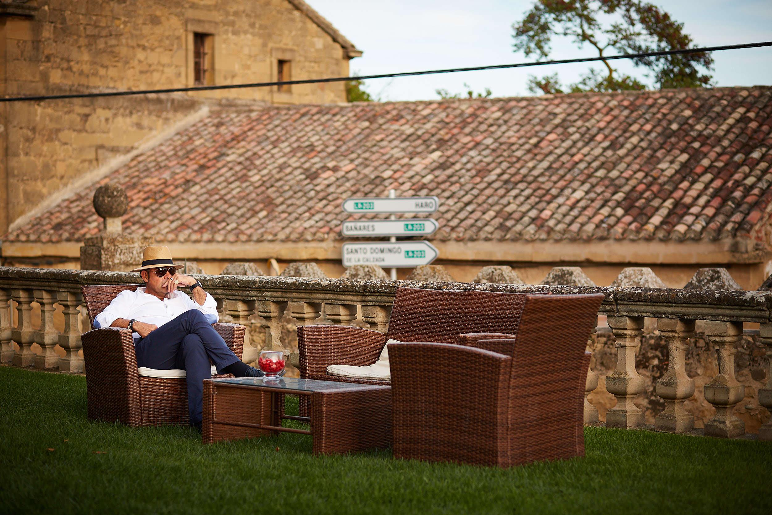 Fotógrafo de boda con estilo documental y fotoperiodismo en La Rioja Palacio Casafuerte Zarraton La Rioja Spain James Sturcke Photographer sturcke.org_00030.jpg