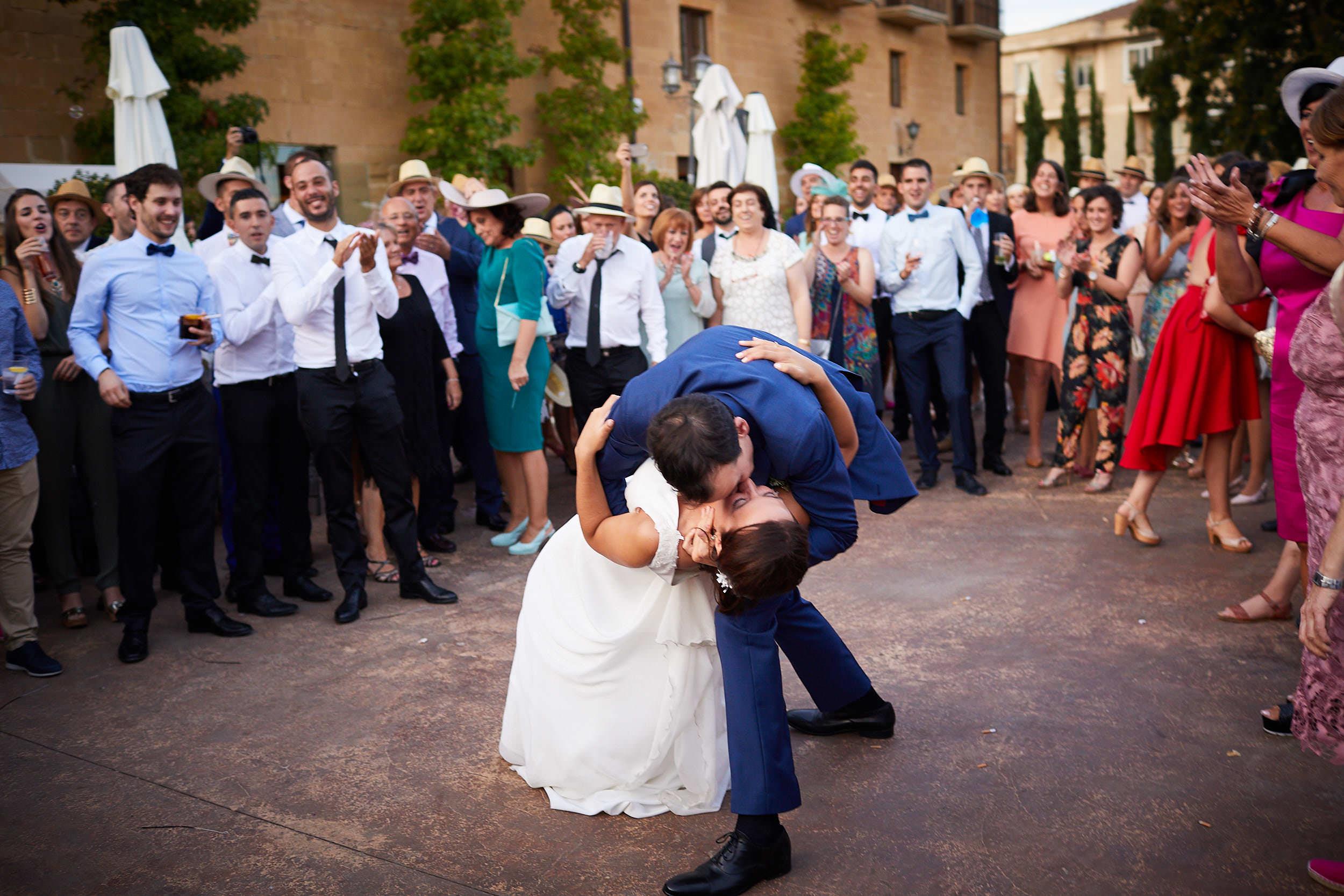 Fotógrafo de boda con estilo documental y fotoperiodismo en La Rioja Palacio Casafuerte Zarraton La Rioja Spain James Sturcke Photographer sturcke.org_00034.jpg