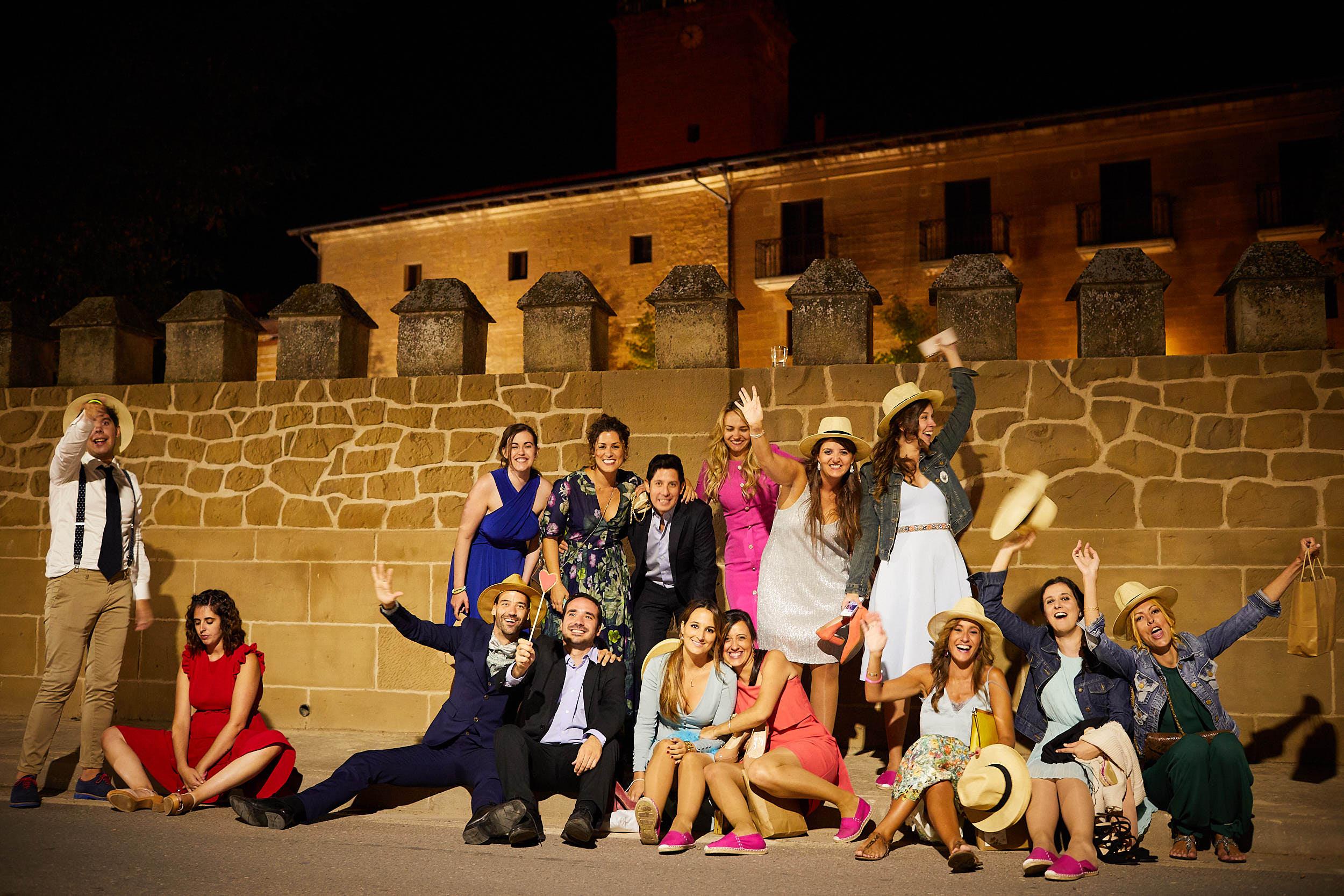 Fotógrafo de boda con estilo documental y fotoperiodismo en La Rioja Palacio Casafuerte Zarraton La Rioja Spain James Sturcke Photographer sturcke.org_00039.jpg