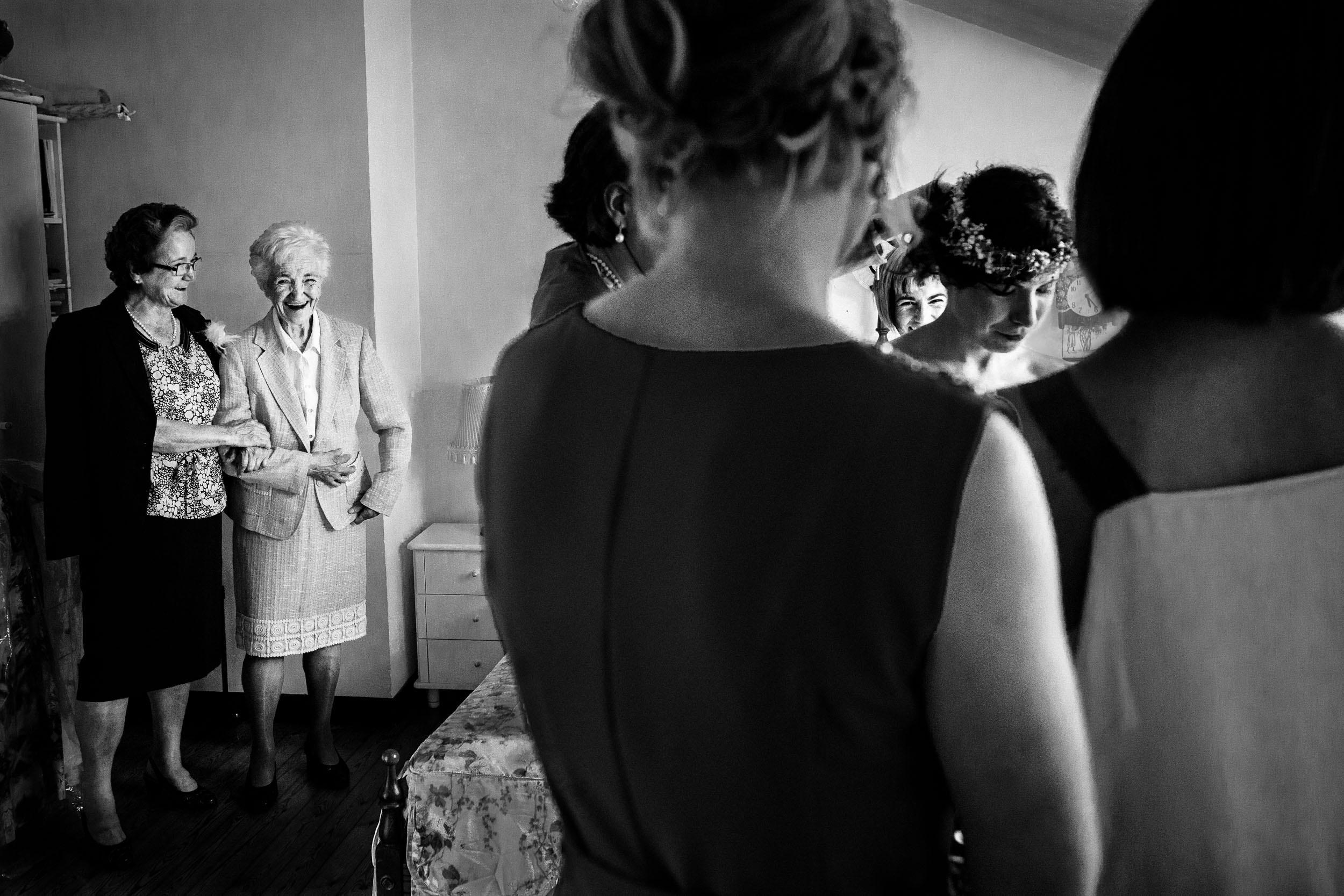Best_Rioja_Wedding_Photography_Sturcke_004.jpg
