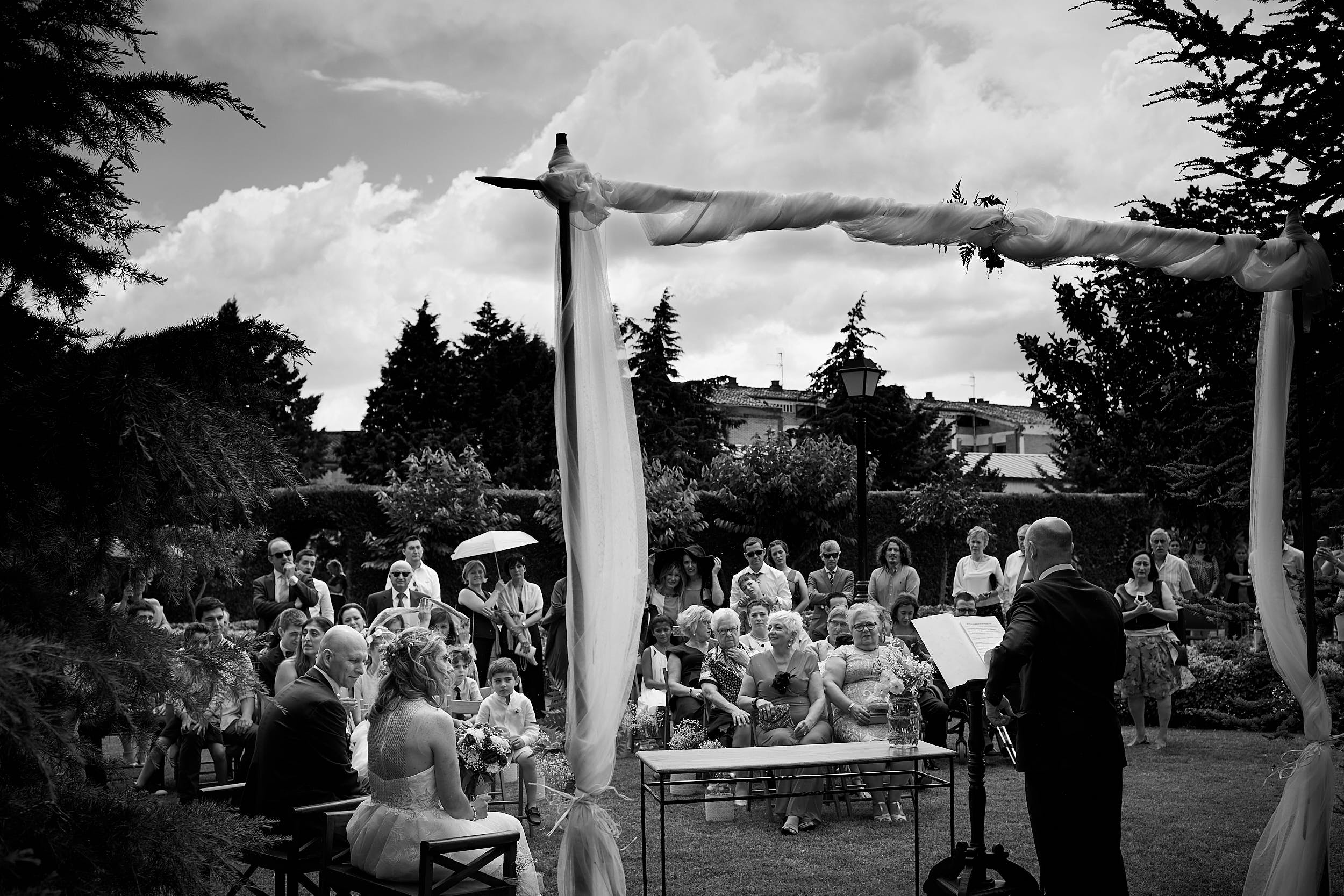 8/7/17 Evange & Juanma. Rioja wedding photographer. Restaurante La Vieja Bodega, Casalarreina, La Rioja, España. Photo by James Sturcke   sturcke.org
