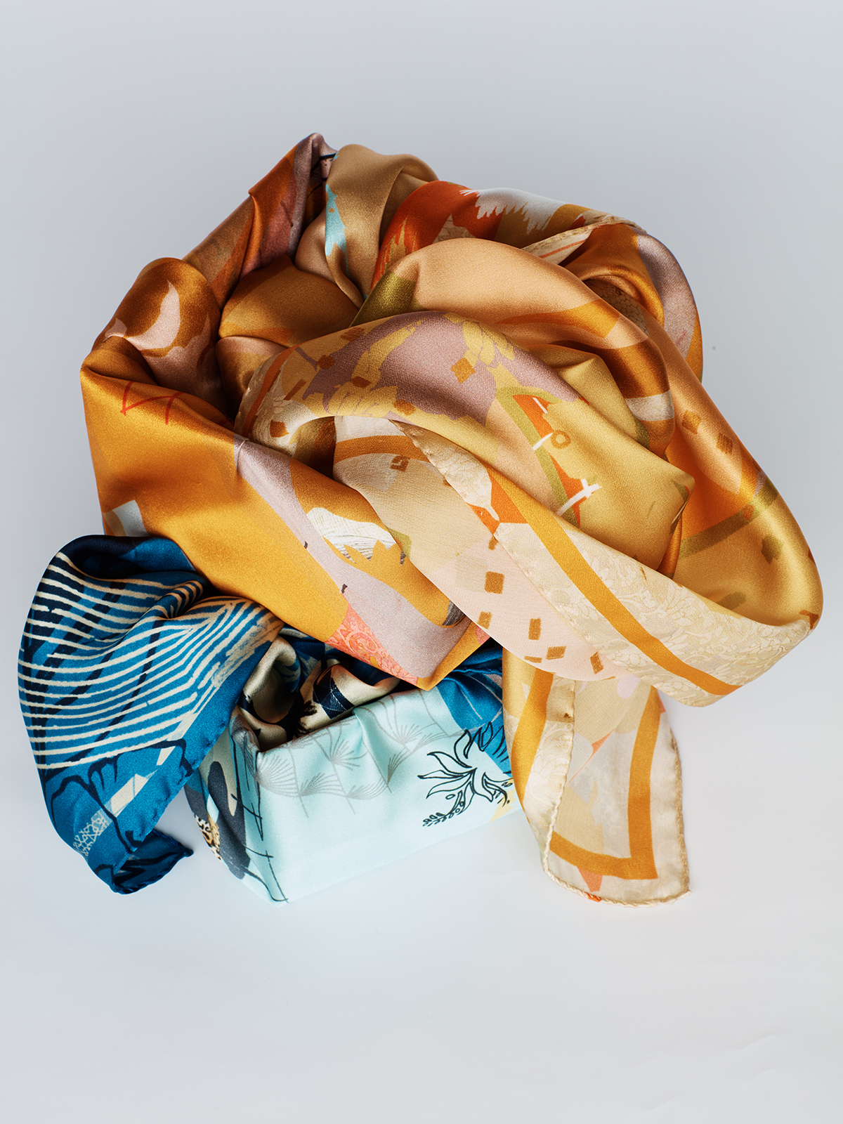 SS19 Silk Scarves Heti's Colours