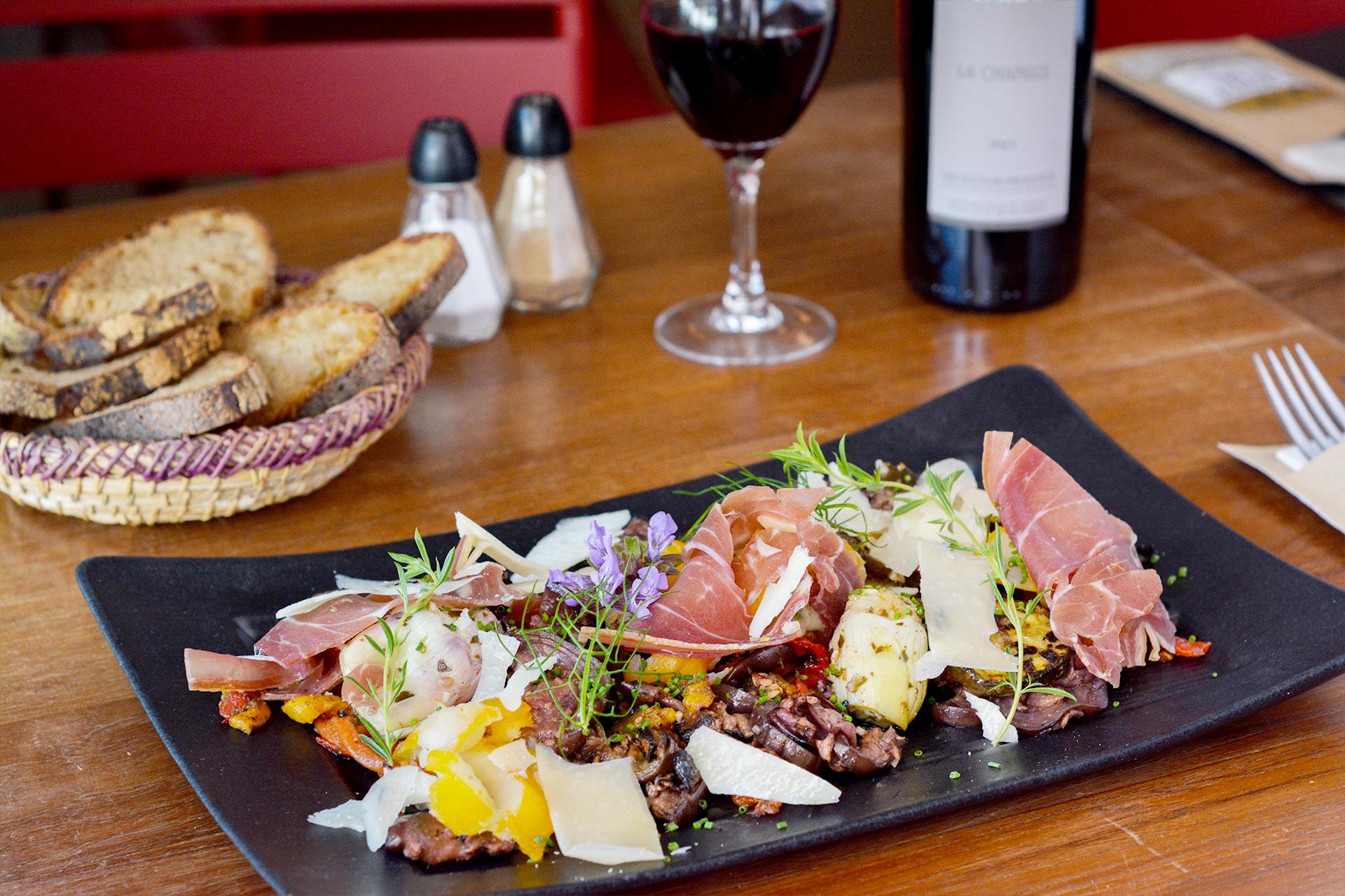 laroutedusel-restaurant-loix-iledere-24.jpg