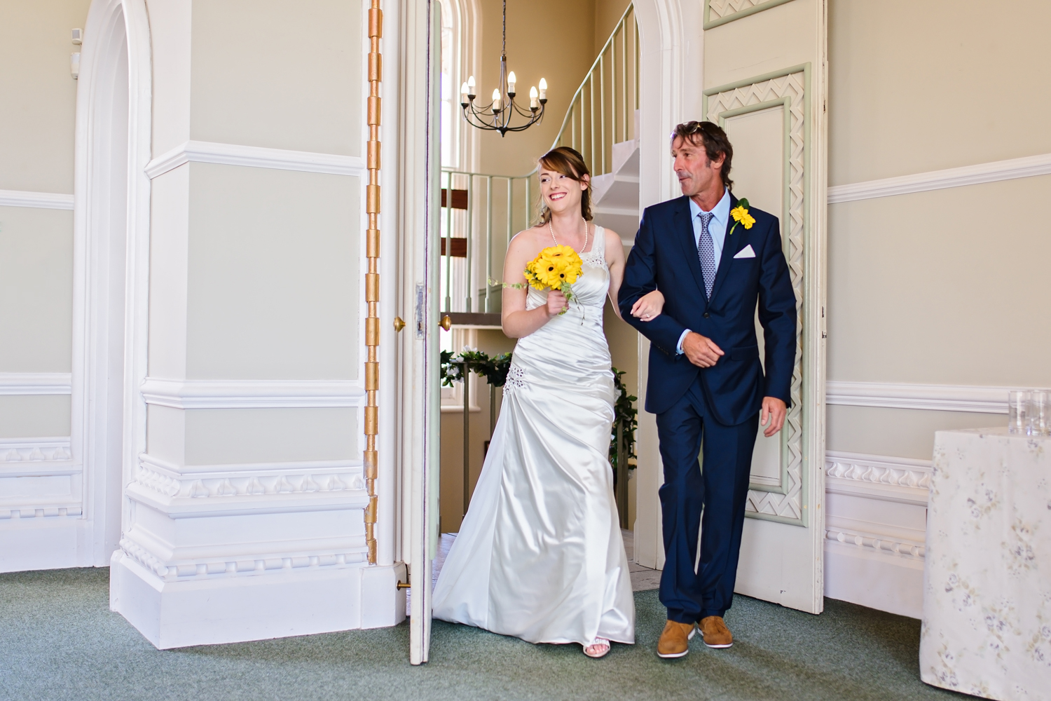 Dad walking bride down the aisle | Arundel | Sussex Photographer