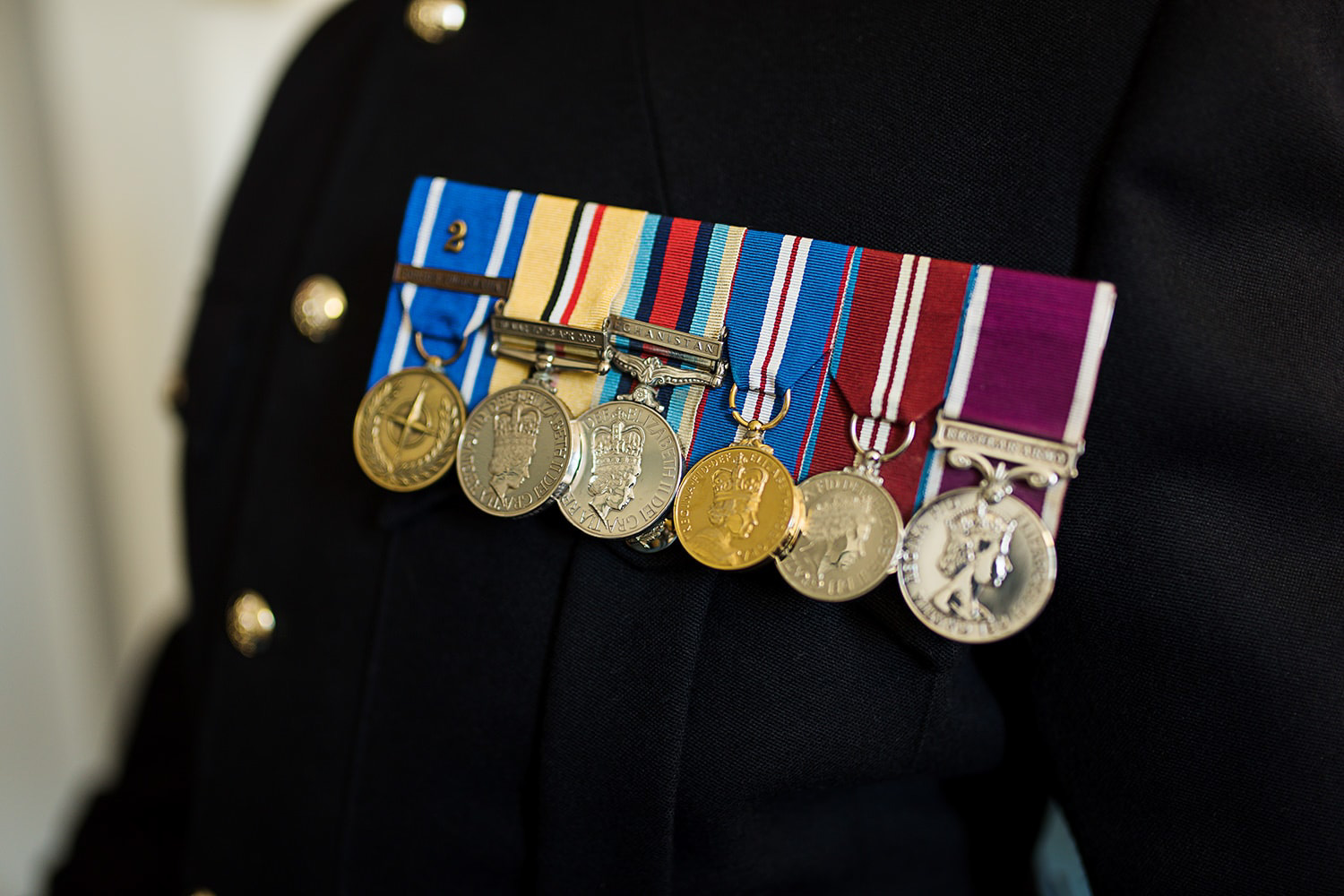 military-uniform-wedding-medals.jpg