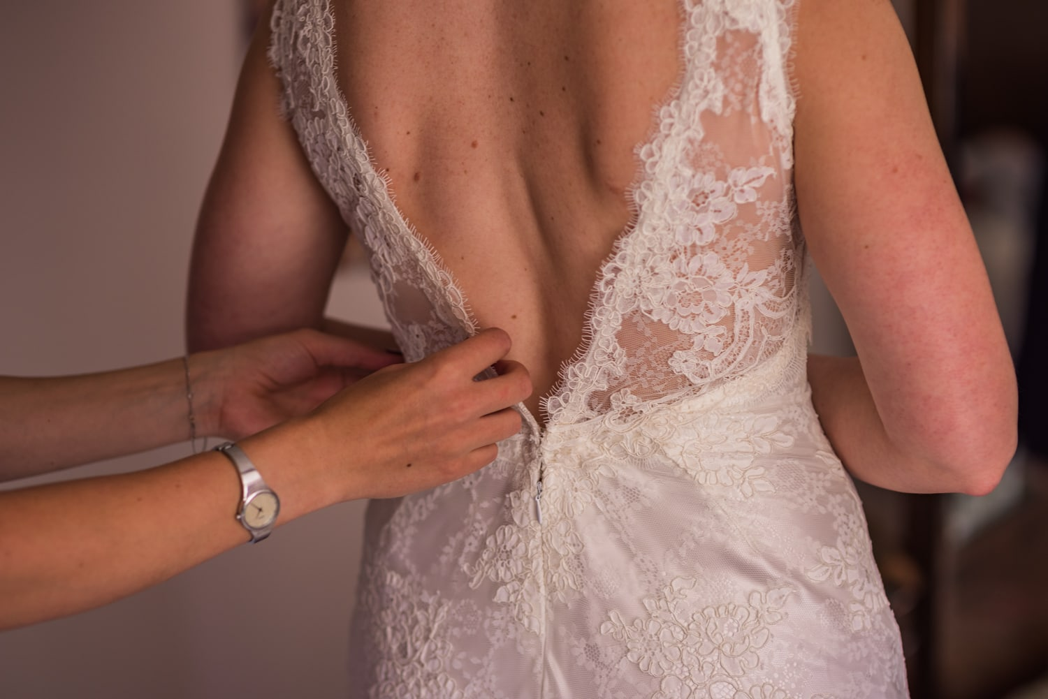 017-back-of-wedding-dress.jpg