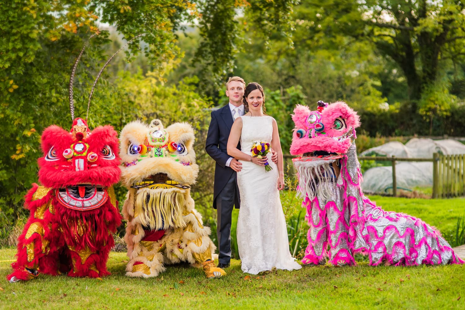 084-bride-groom-with-chinese-lion-dance_1.jpg