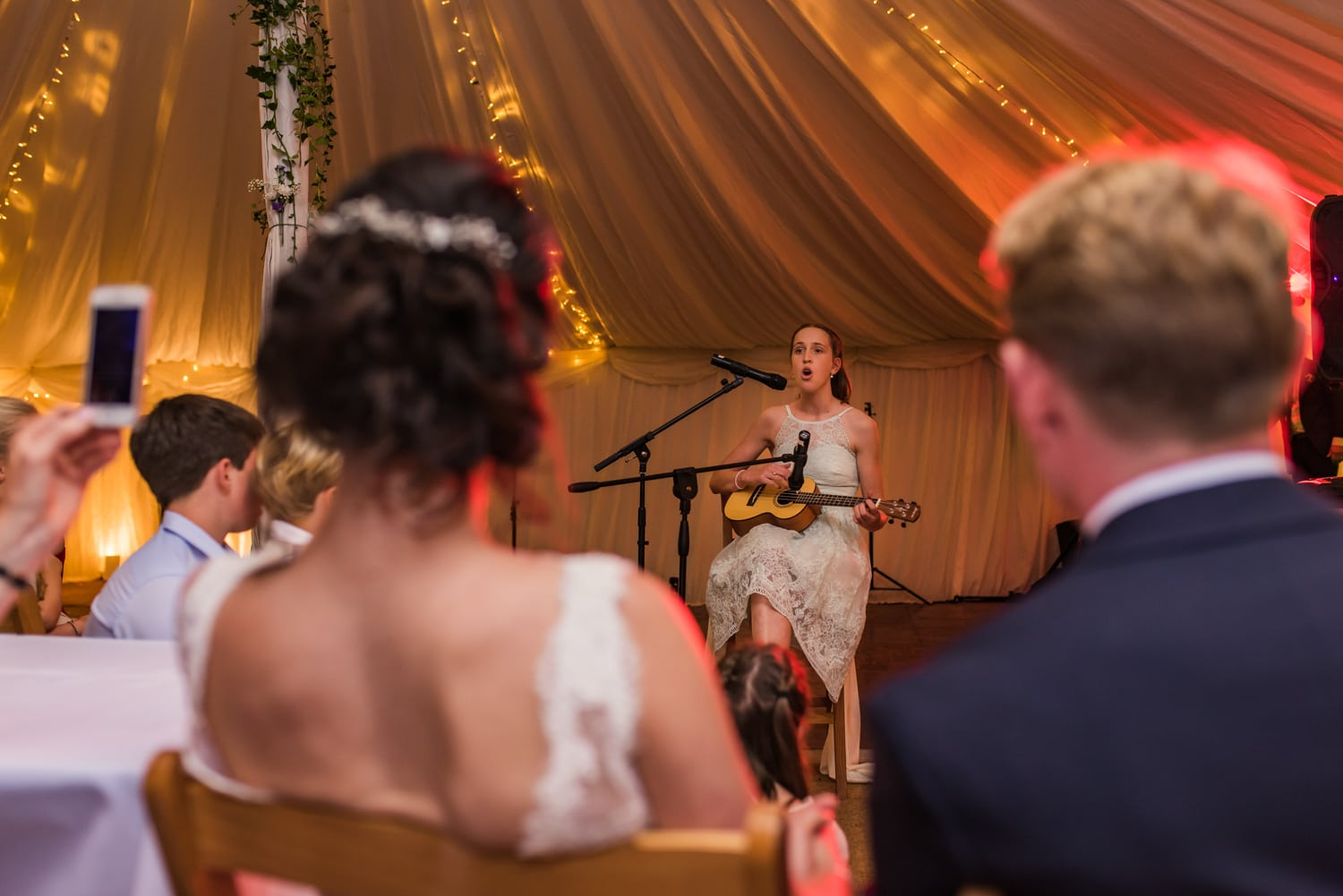 112-wedding-guest-singing.jpg