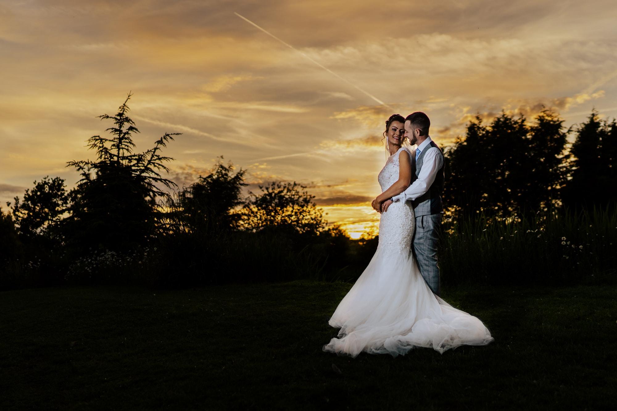 Sunset-The Ravenswood-wedding-venue.jpg