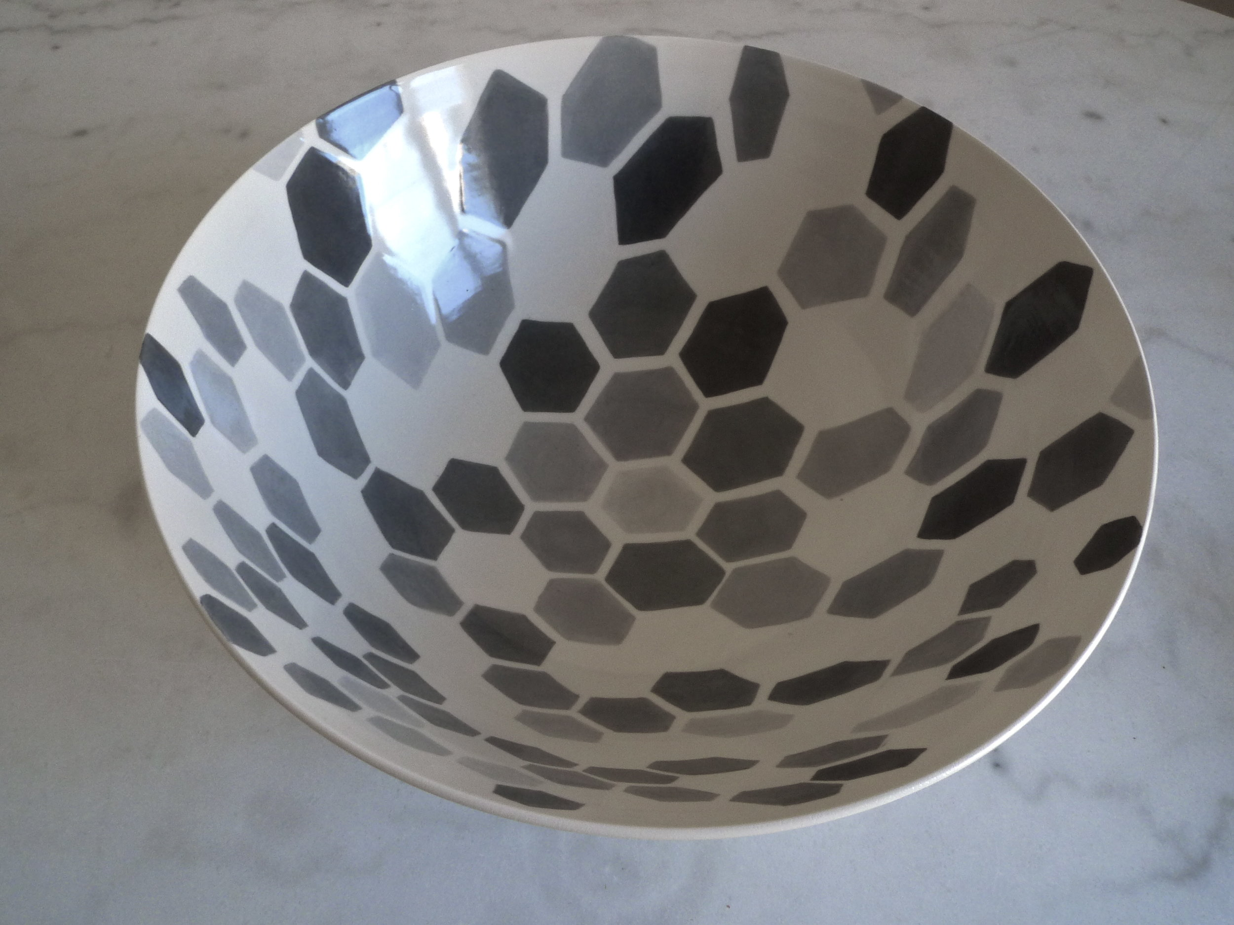 white ceramic body light : bowl grey hexagon perspective-solid  15x40cm (350 E)