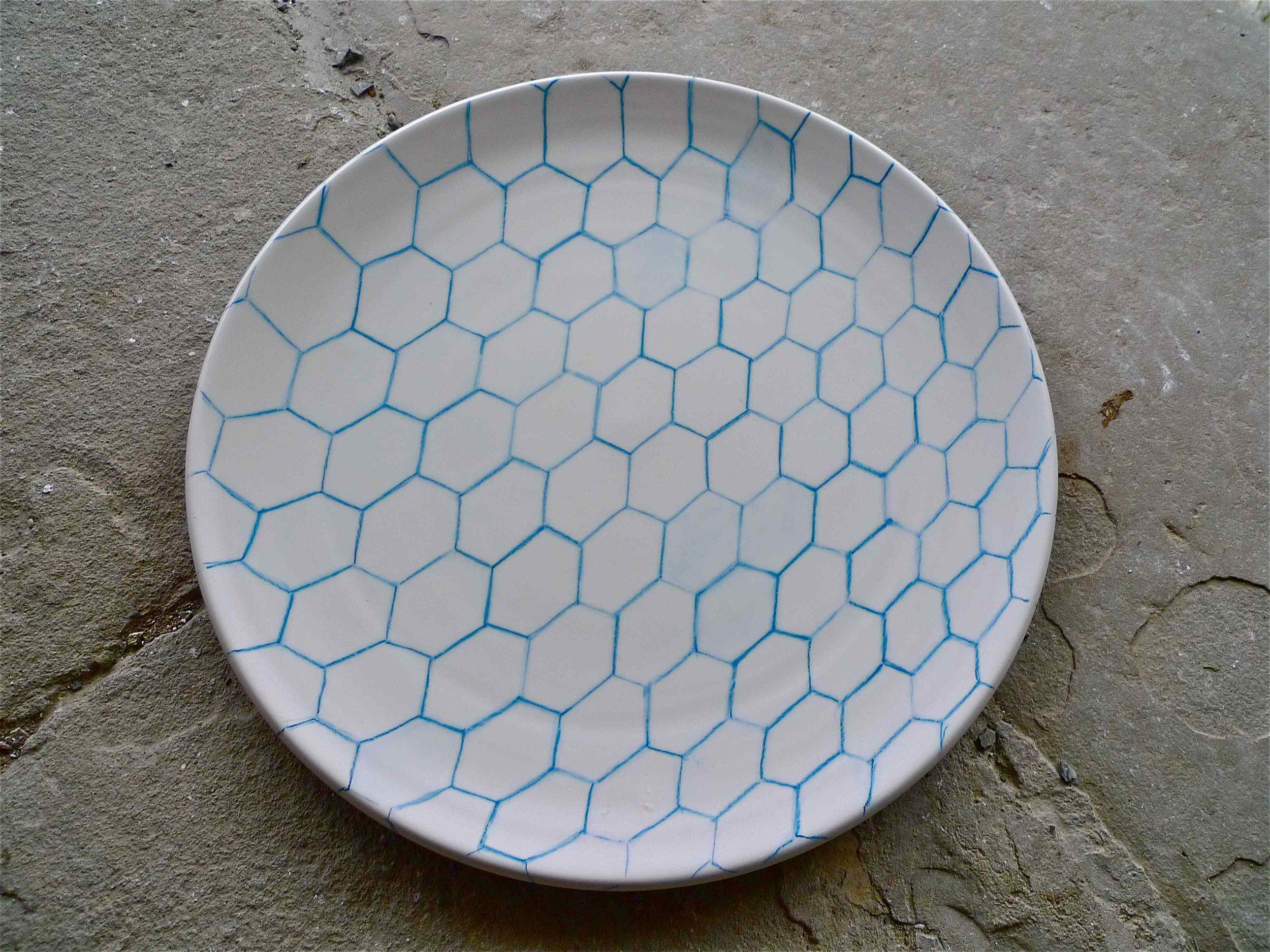 white ceramic body heavy: blue line perspective  plate 2x40 cm (250 E)