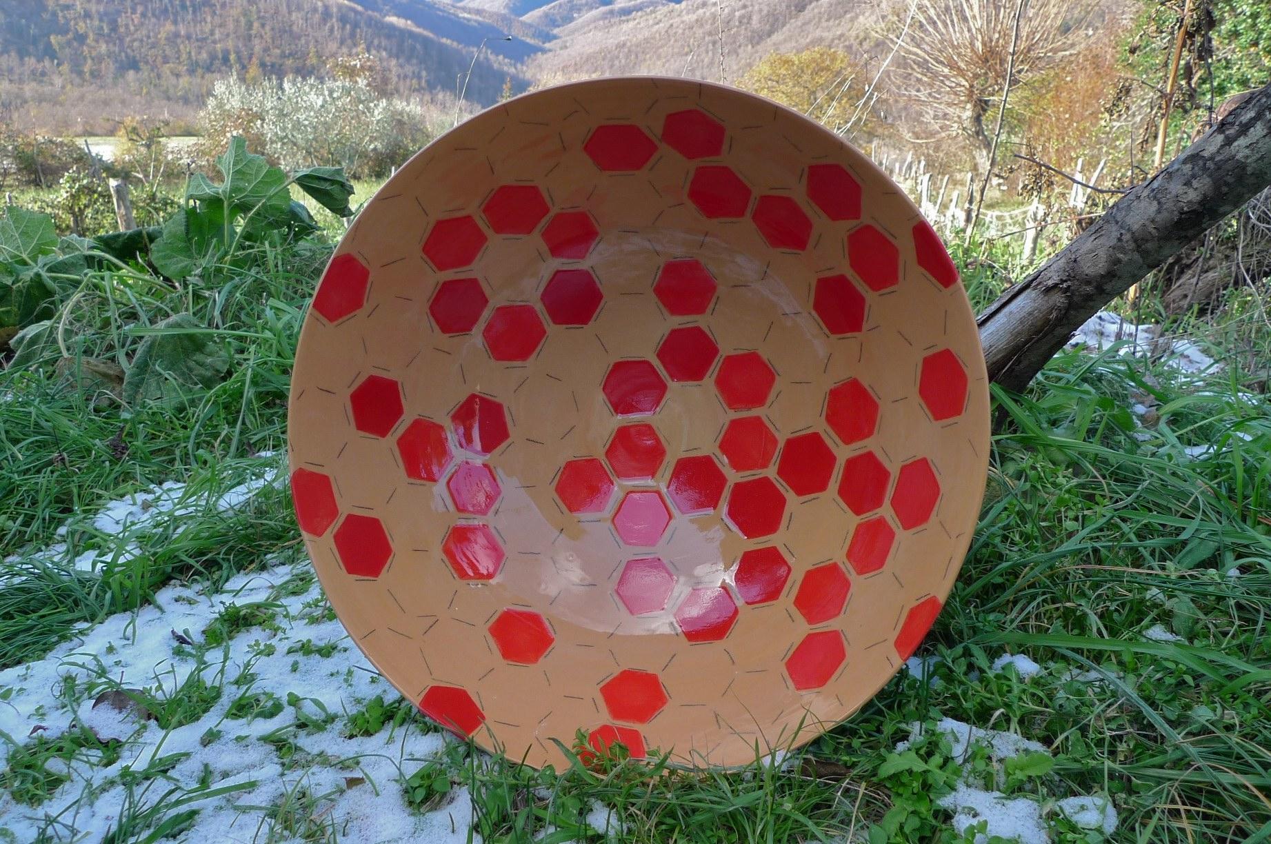 terra cotta ceramic body: bowl (red hexagon with line) 15 x 40cm (350 E)