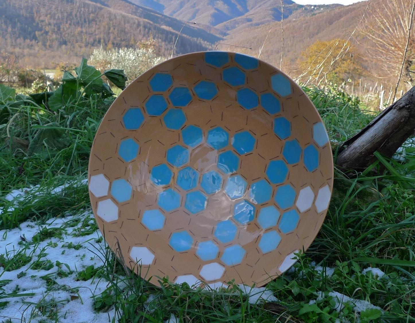 terra cotta ceramic body: bowl (blue, white hexagon with line) 15 x 40cm (350 E)
