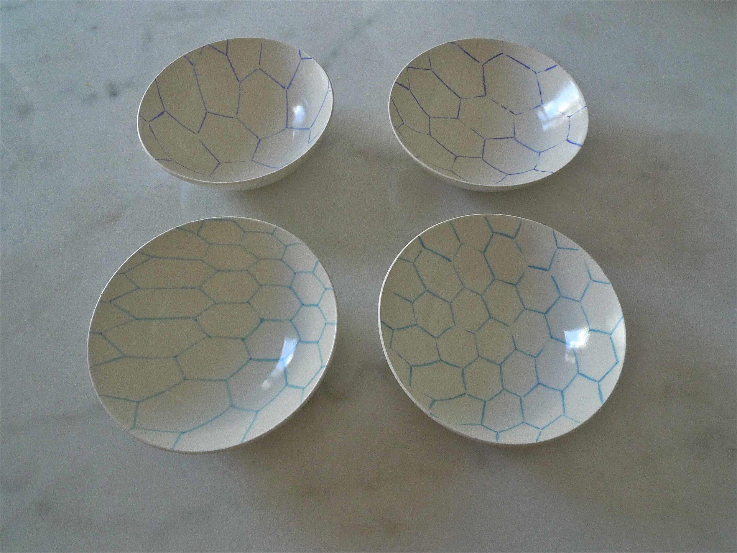 white ceramic body light : hexagon line perspective in black, blue or red) 3x15cm (40 E) 3x12cm (35E)