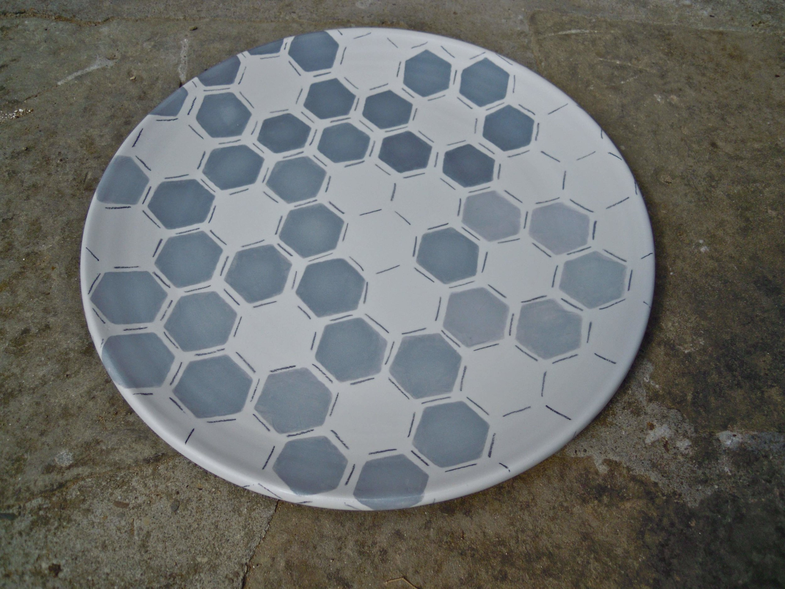 white ceramic body heavy: platter grey hexagon solid 2x40cm (250E)