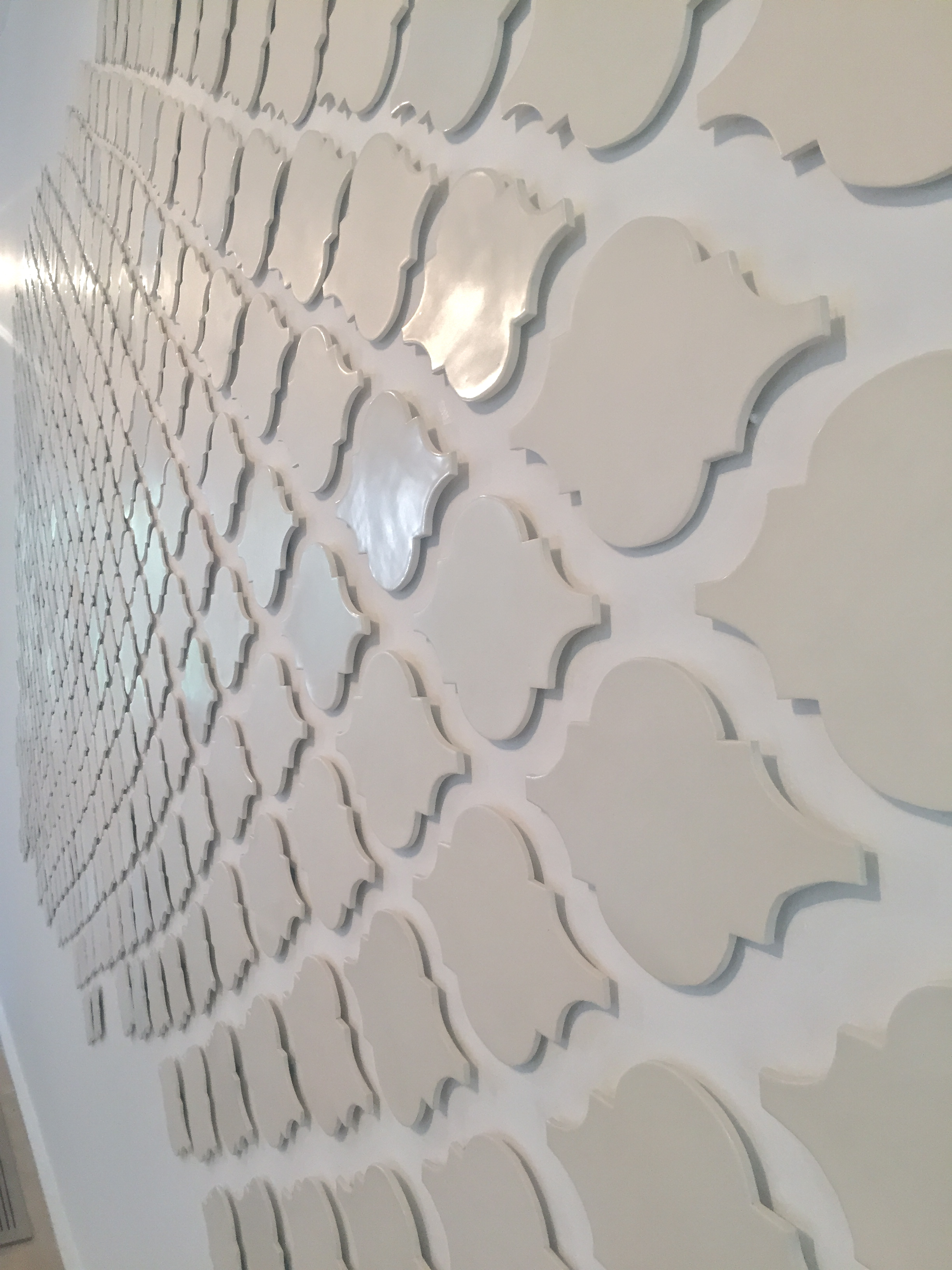 """Something in the house""detail, 2016 ceramic tile300x700cm"