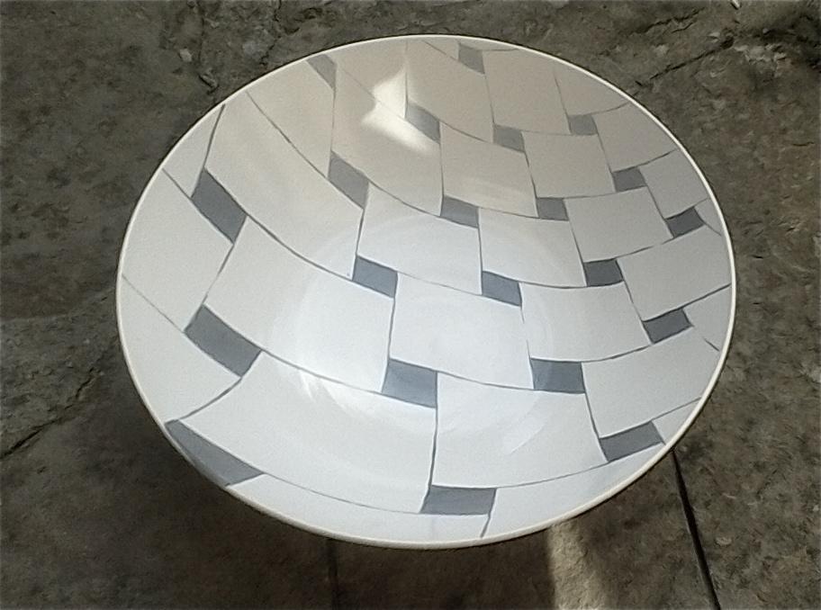 white ceramic light perspective gradation of grey bowl 10 x 26cm (110 E)