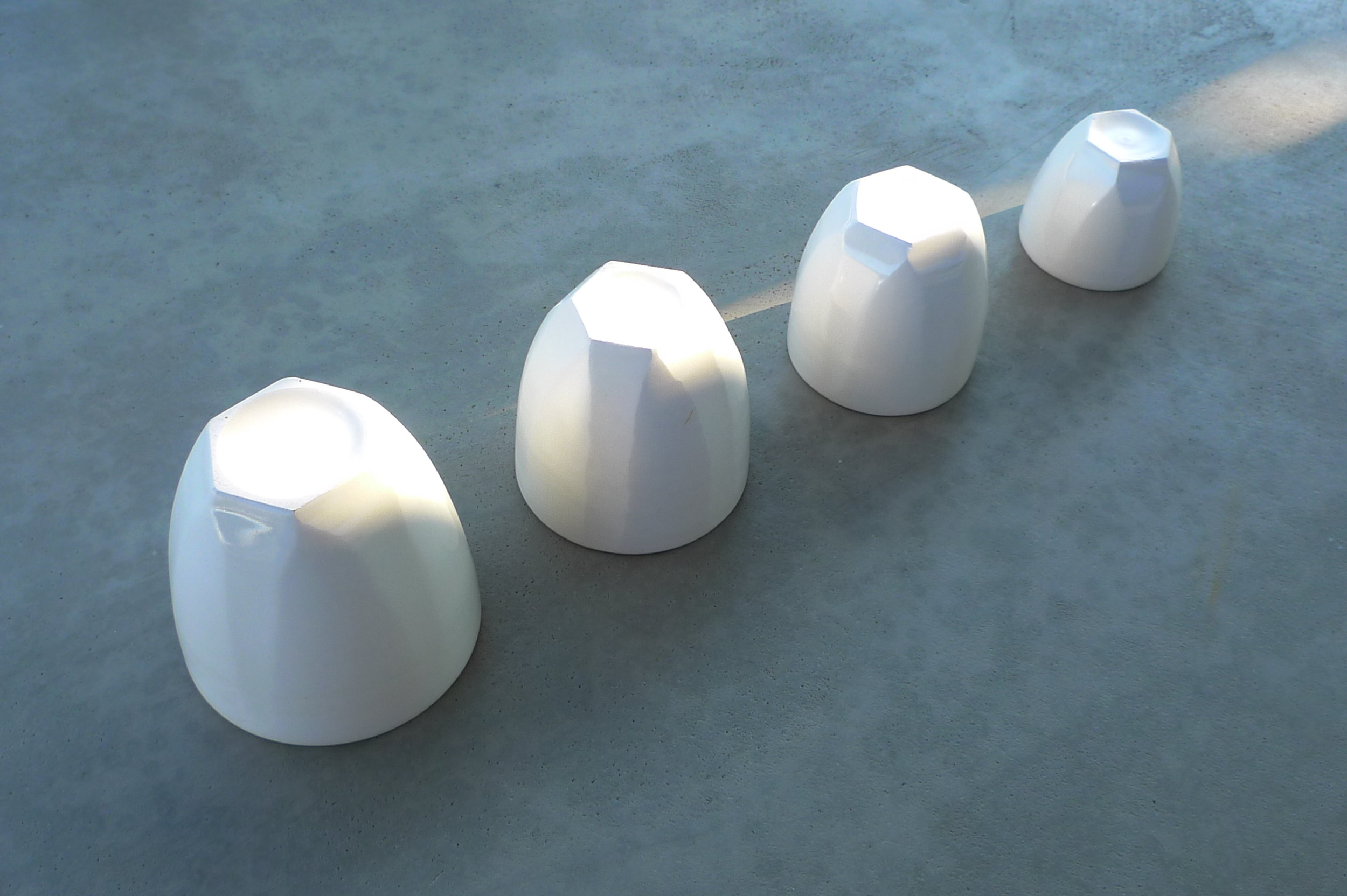 white ceramic body 4 sizes various colours: 9x9cm(22E),8x8cm(20E),7.5x7cm(18E),6x6(15E)