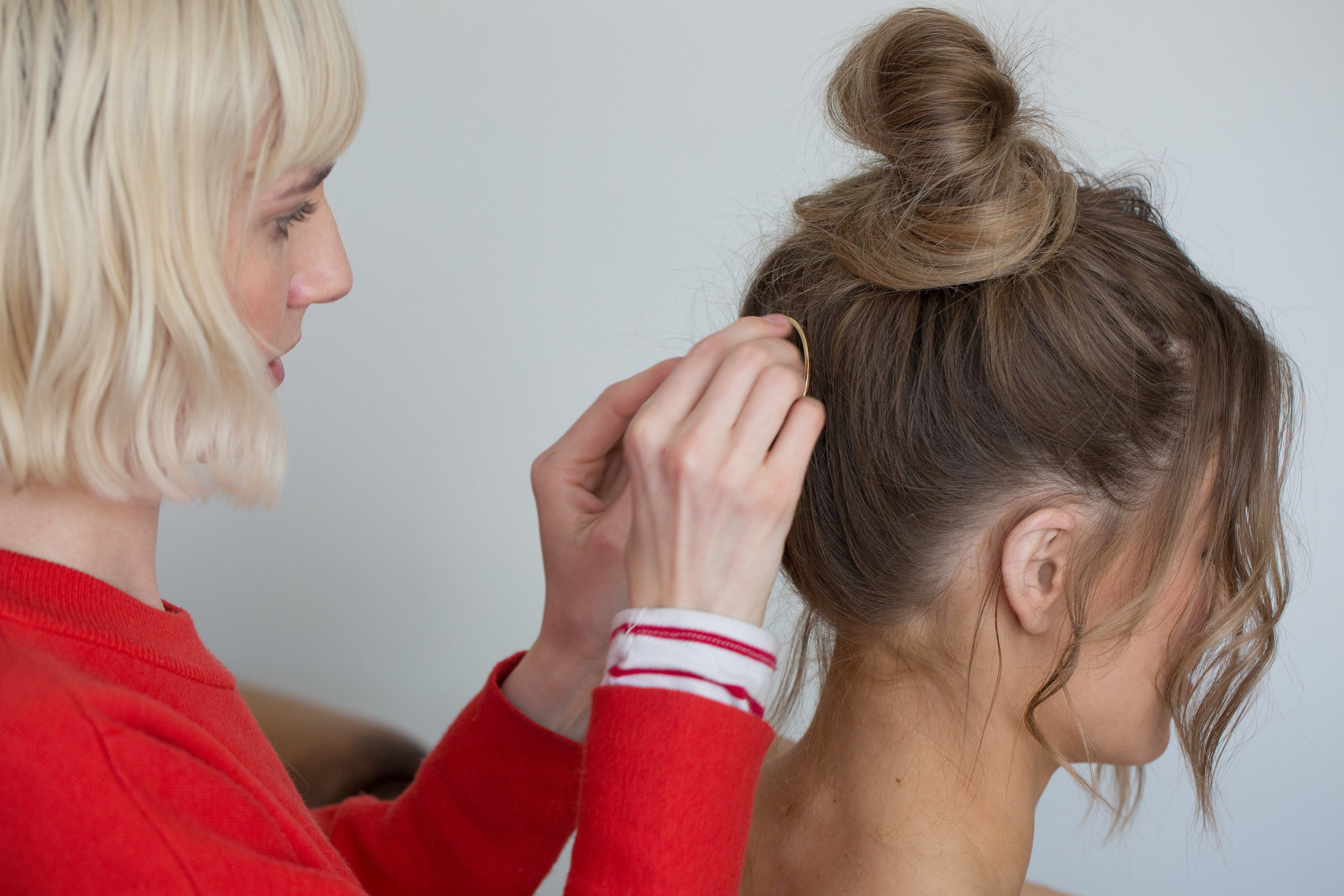 Behind the scenes of Zoe adding the finishing touches.  Photography: Jessica Withey