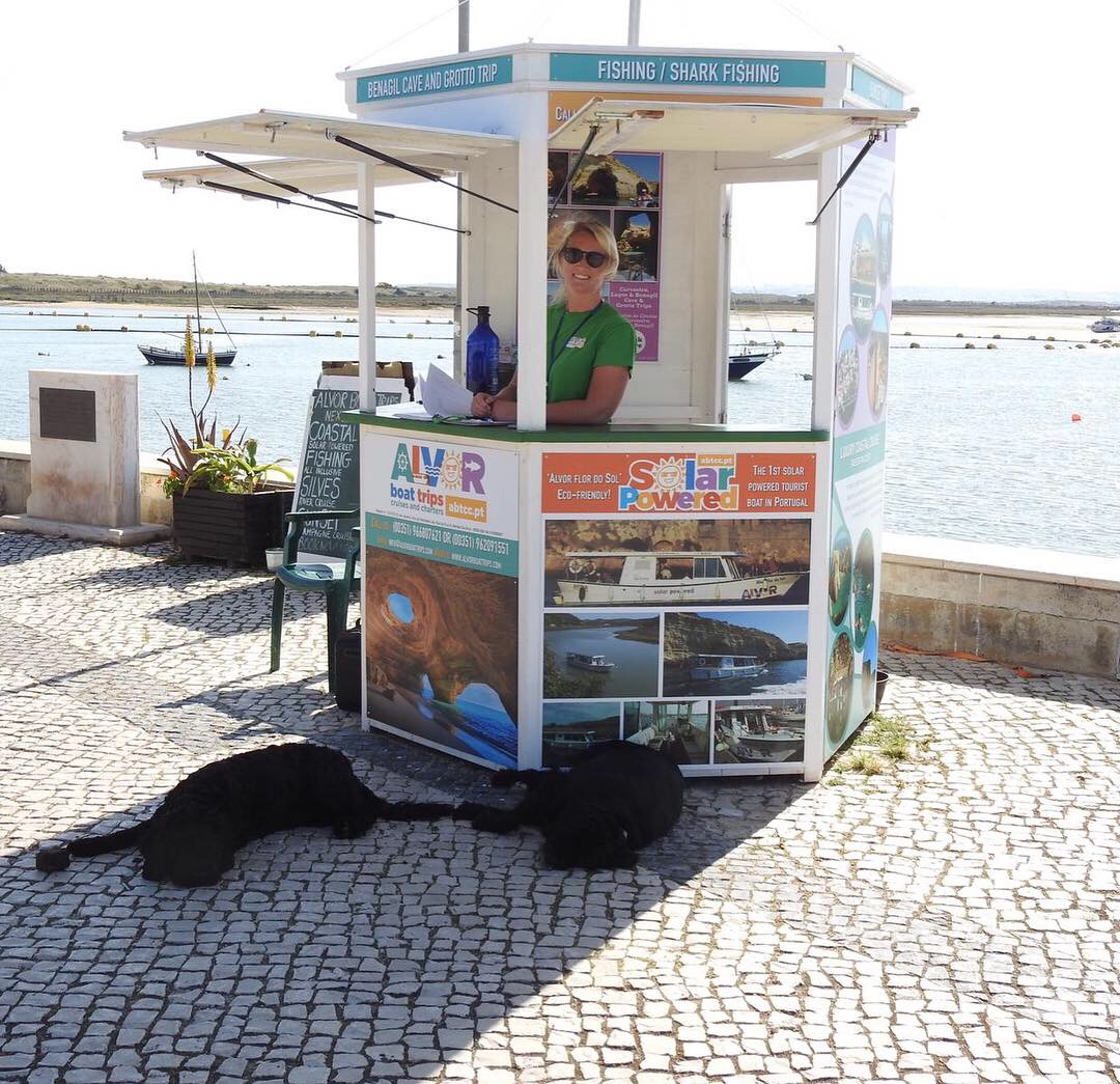 Visit our ticket booth in Alvor for information and bookings!