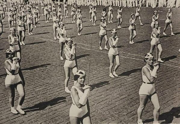Alexander Rodchenko, Women Fencers, 1936.