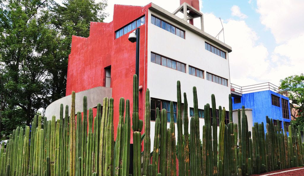 The house and studio in Mexico City was designed by Juan O'Gorman, who was commissioned by Rivera in 1931. It is one of the earliest modernist buildings in Mexico, and today operates as a  museum .