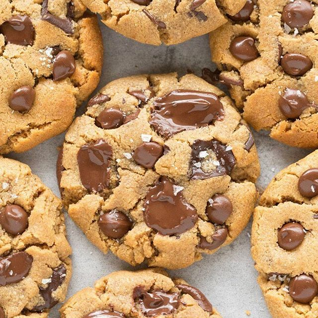 CHOCOLATE CHIP WONDERLAND 🍪 @thebigmansworld - #chocolatechipcookies #chocolatecookies #chocolatechip