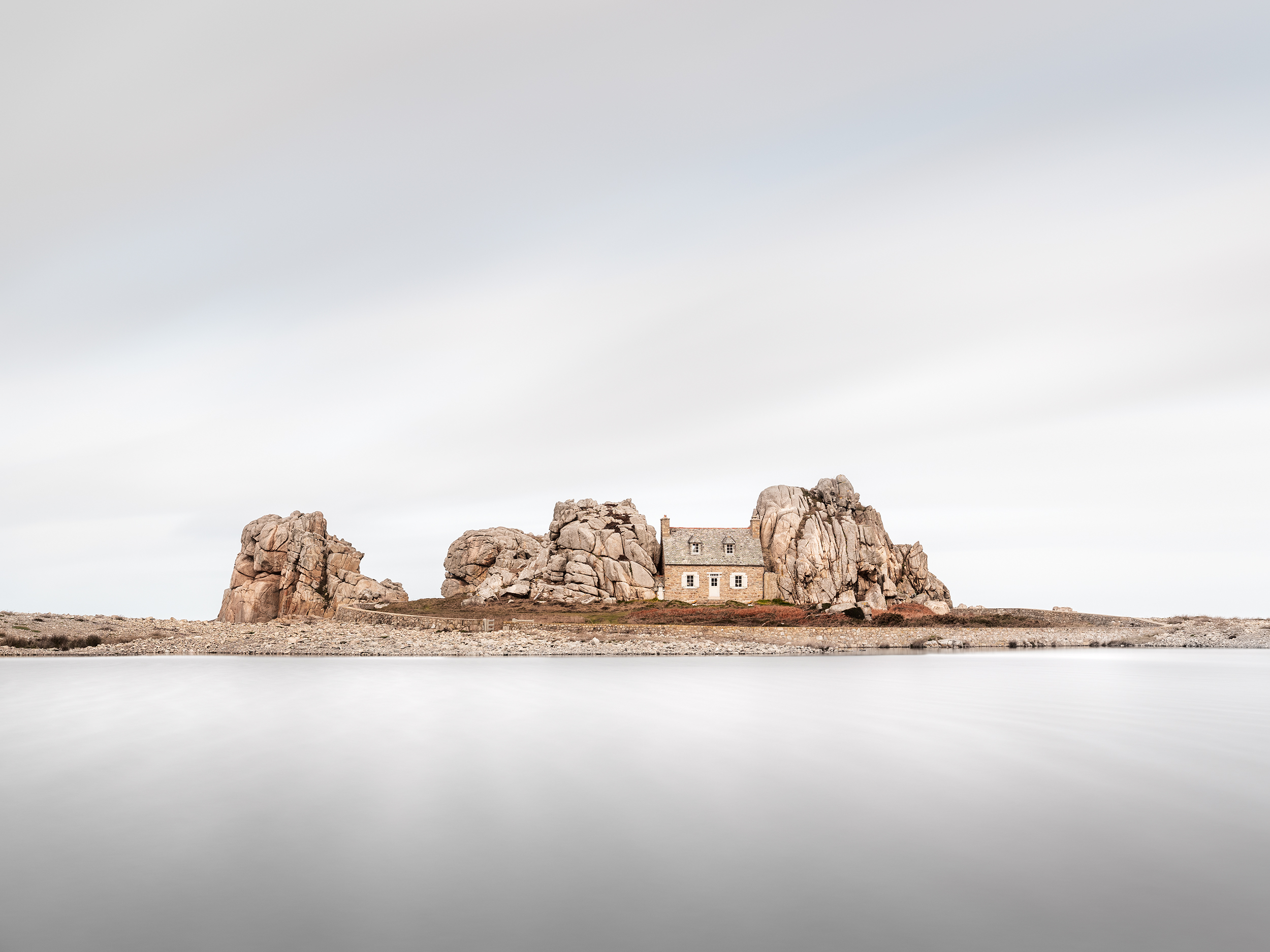 House between Rocks (3603) - Brittany, France
