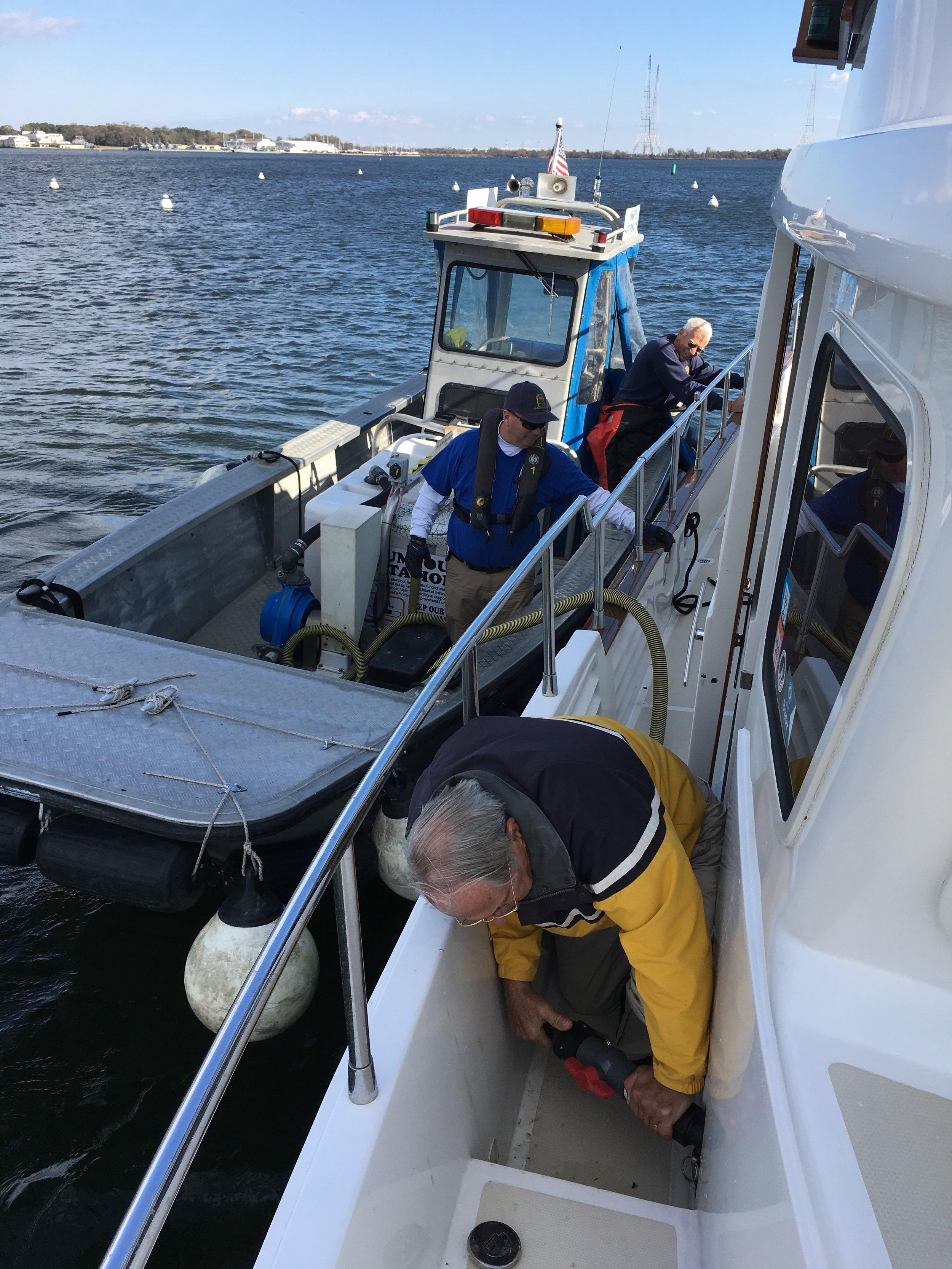 Annapolis Pumpout boat1.JPG