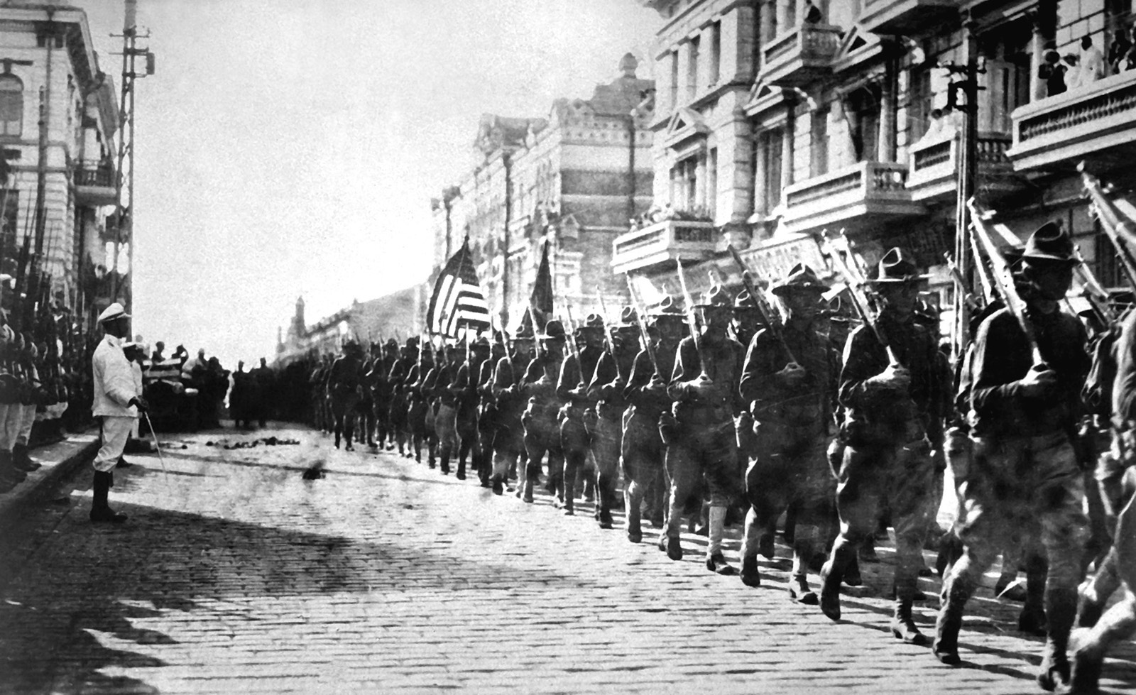 ww1 American_troops_in_Vladivostok_1918.jpg