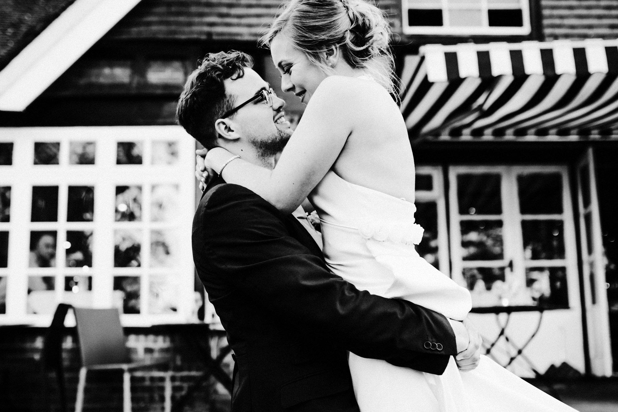 Cardiff Wedding Photographer-139.jpg