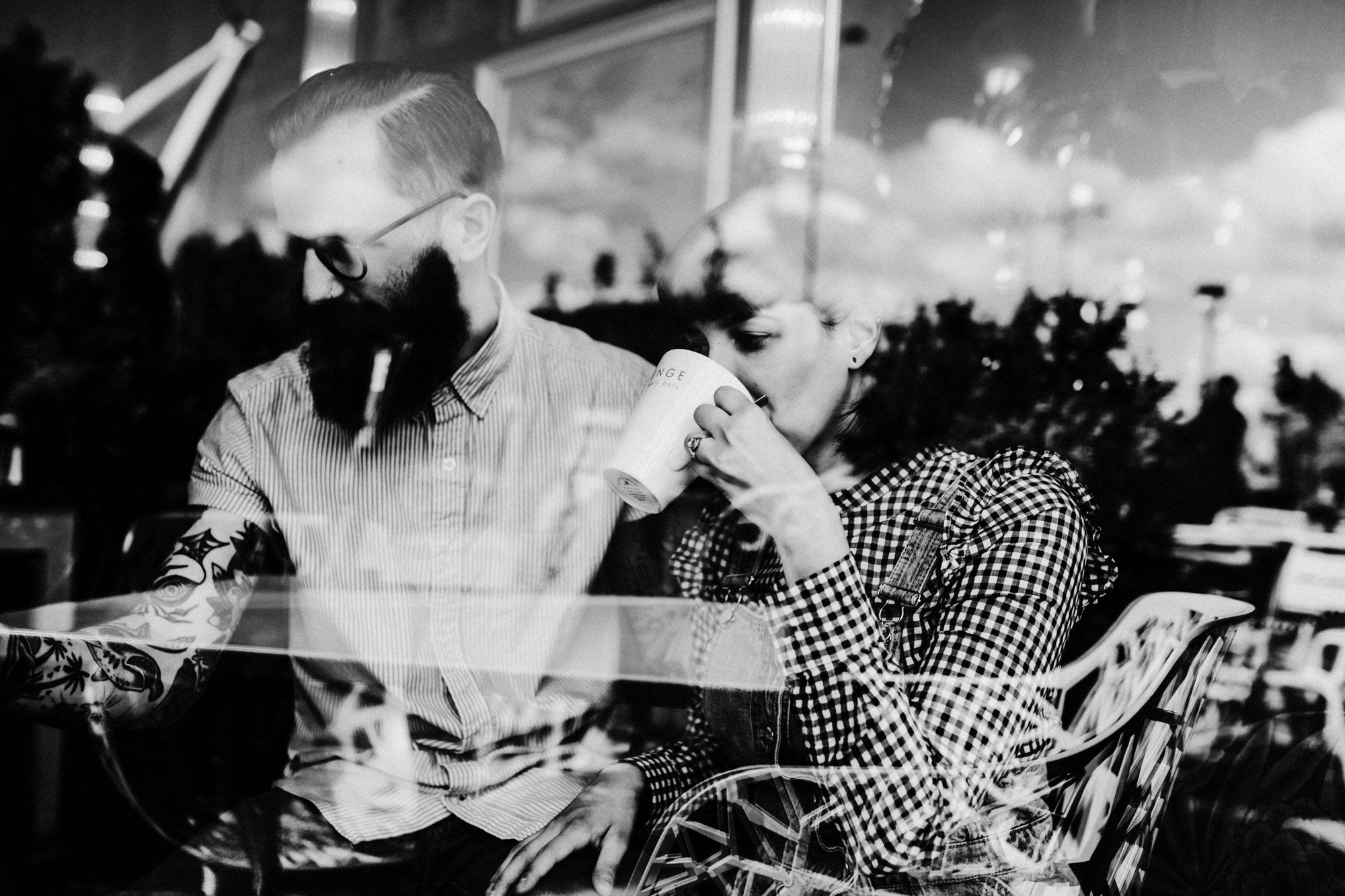Cafe-Bar-Engagement-Photography19.jpg